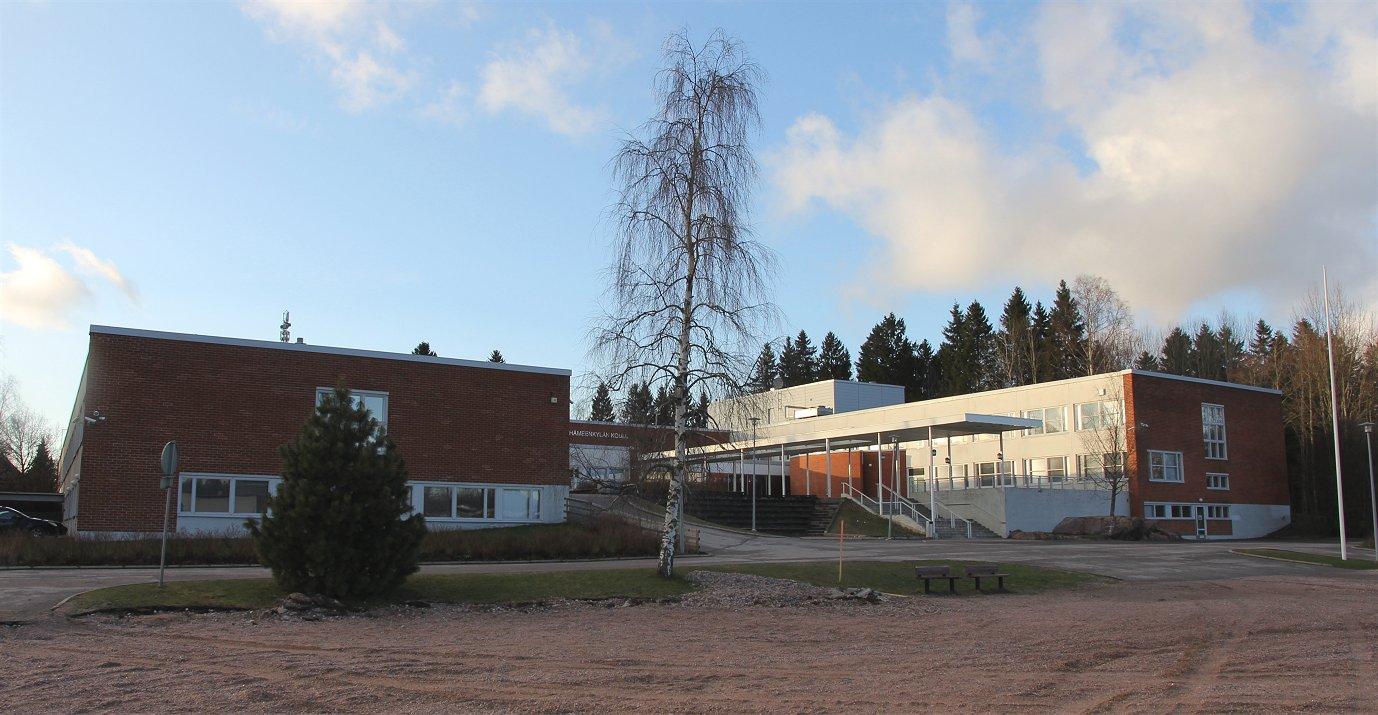 Purettu Hämeenkylän koulu