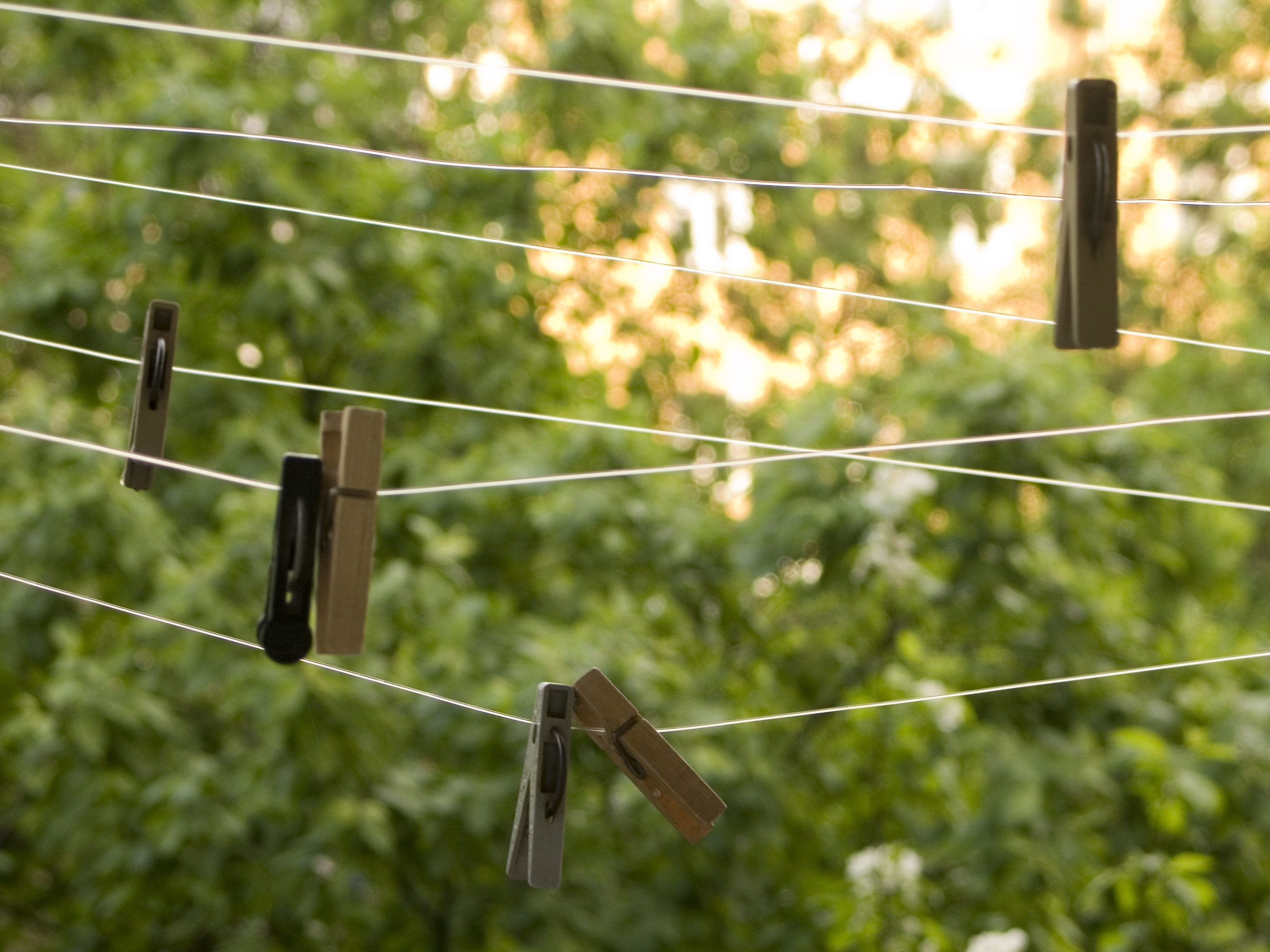 File Hanging Clothes Wikimedia Commons