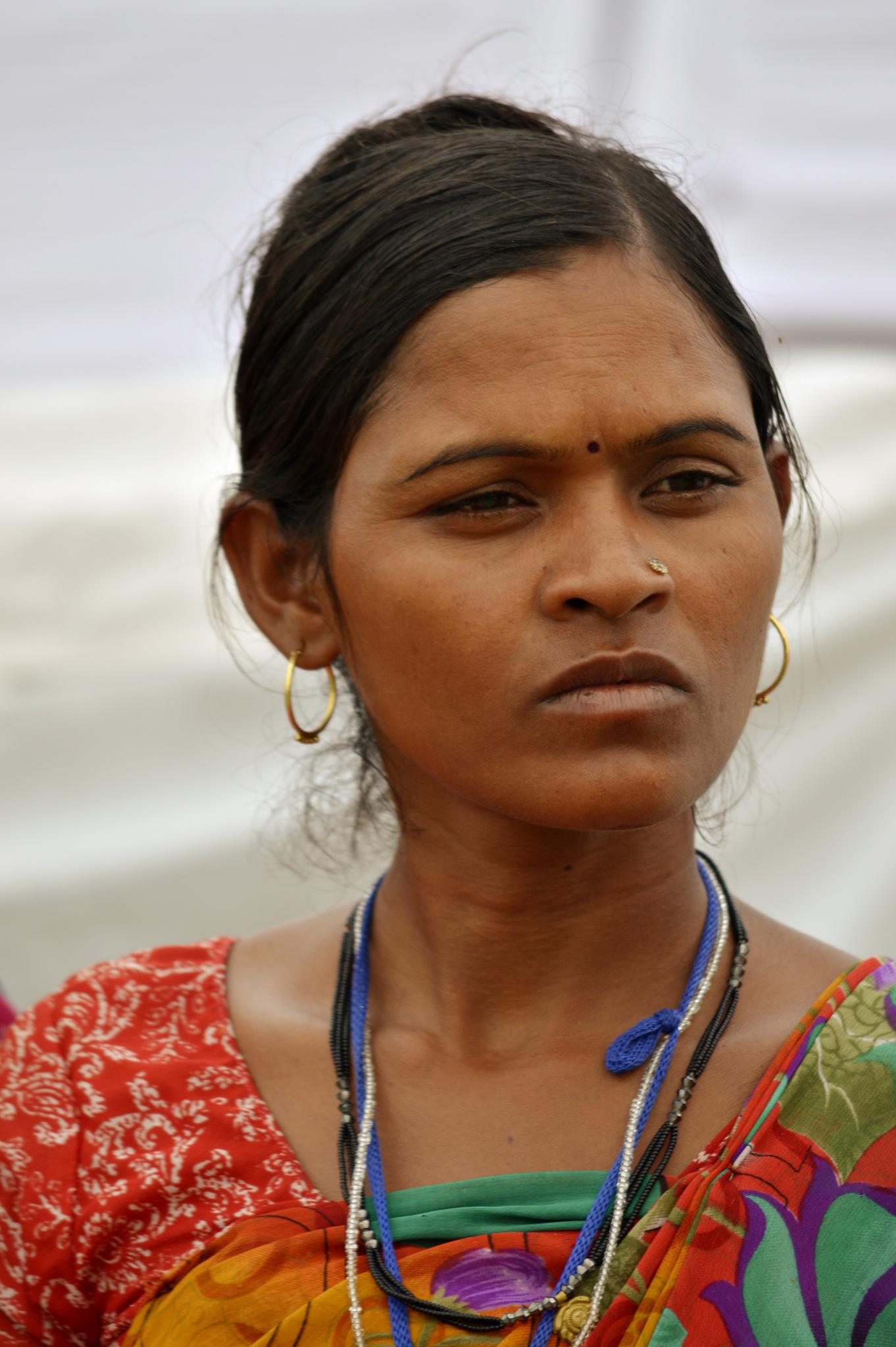 Indian Woman In Black Saree: File:India Woman, Jan Satyagraha, Agra.jpg
