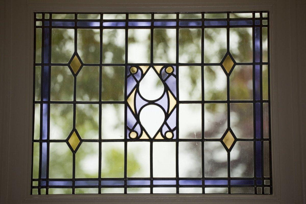 File Interieur, hoek links voor met detail van glas in lood raam   Heerenveen   20428539   RCE