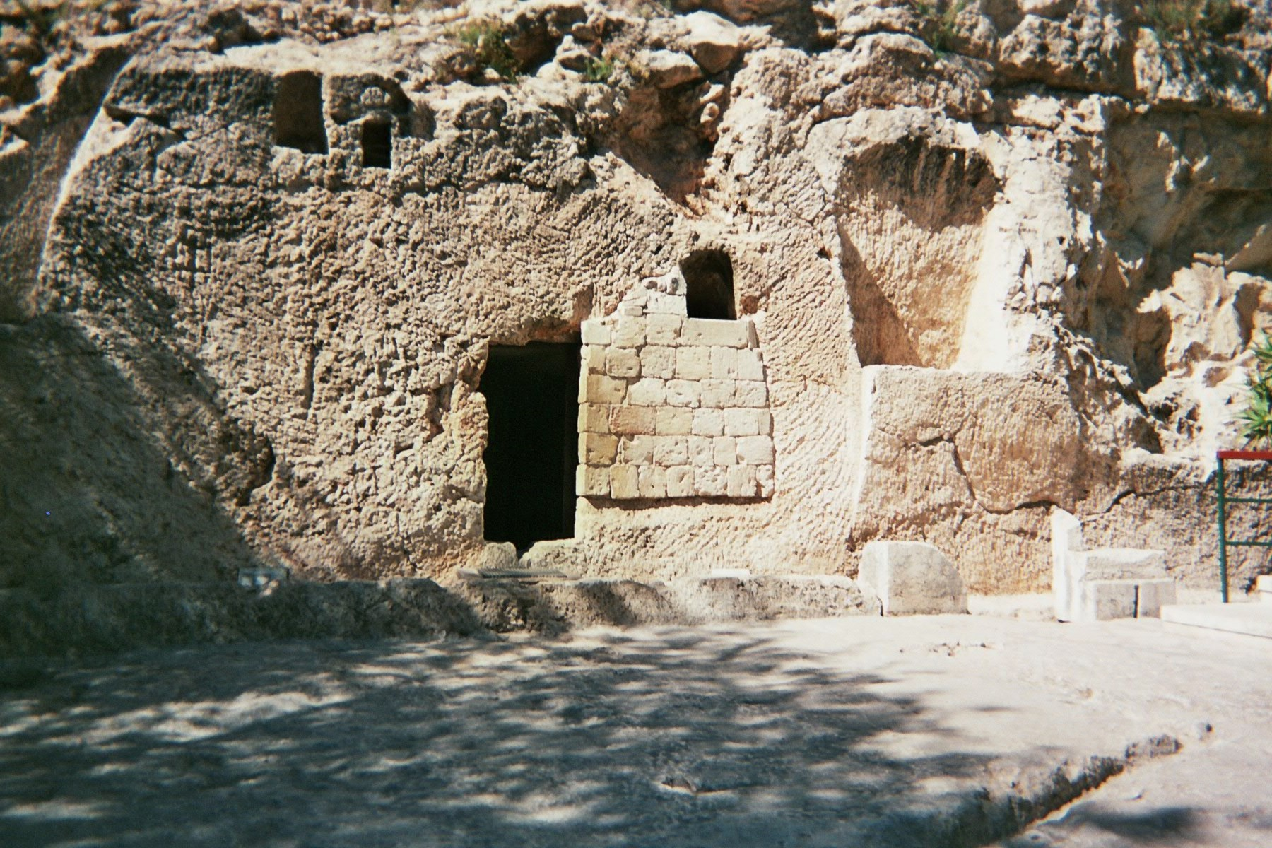 Tomb that might resemble the one donated by Joseph of Arimathea.