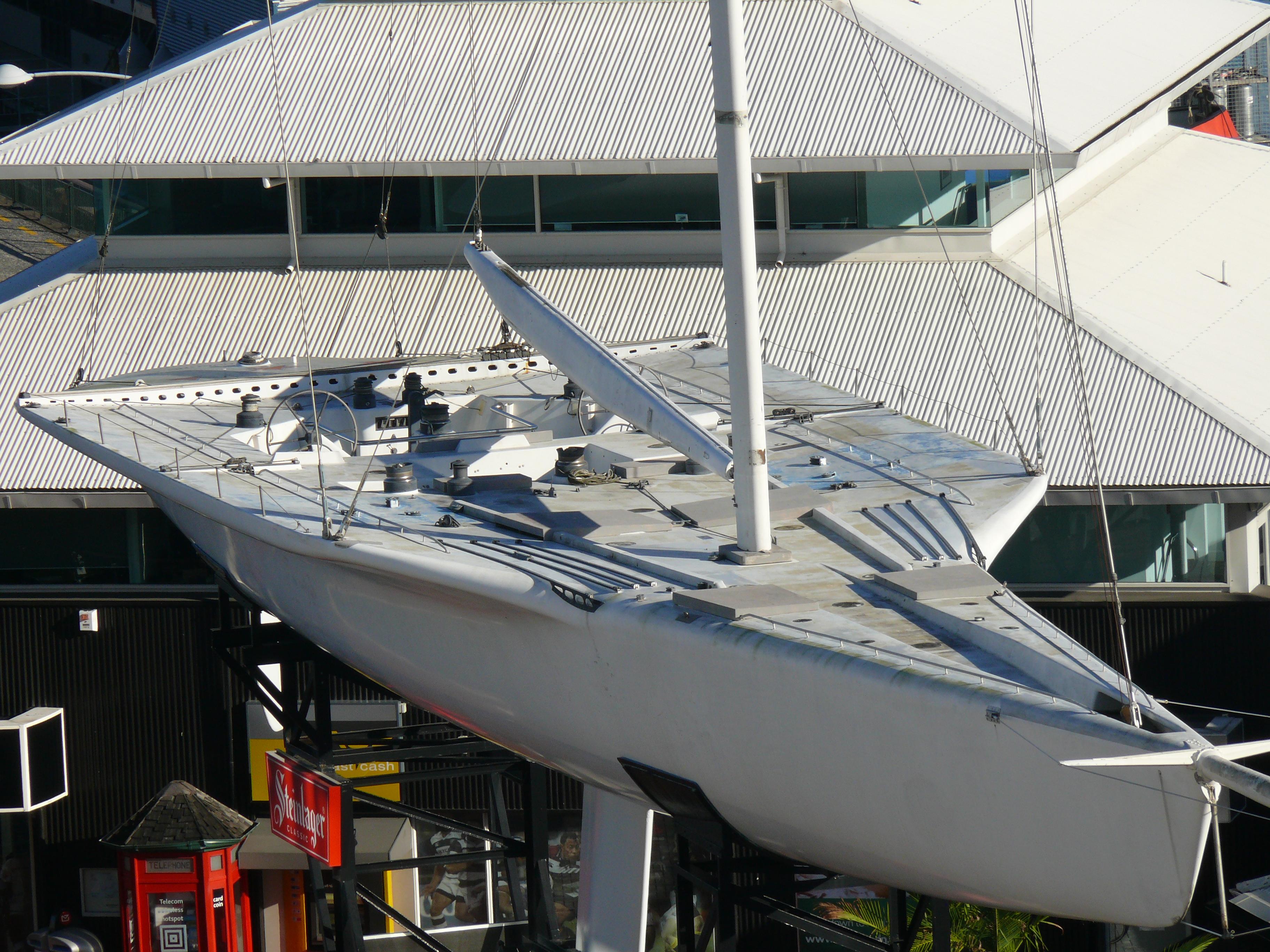 KZ1-yacht_(1).jpg