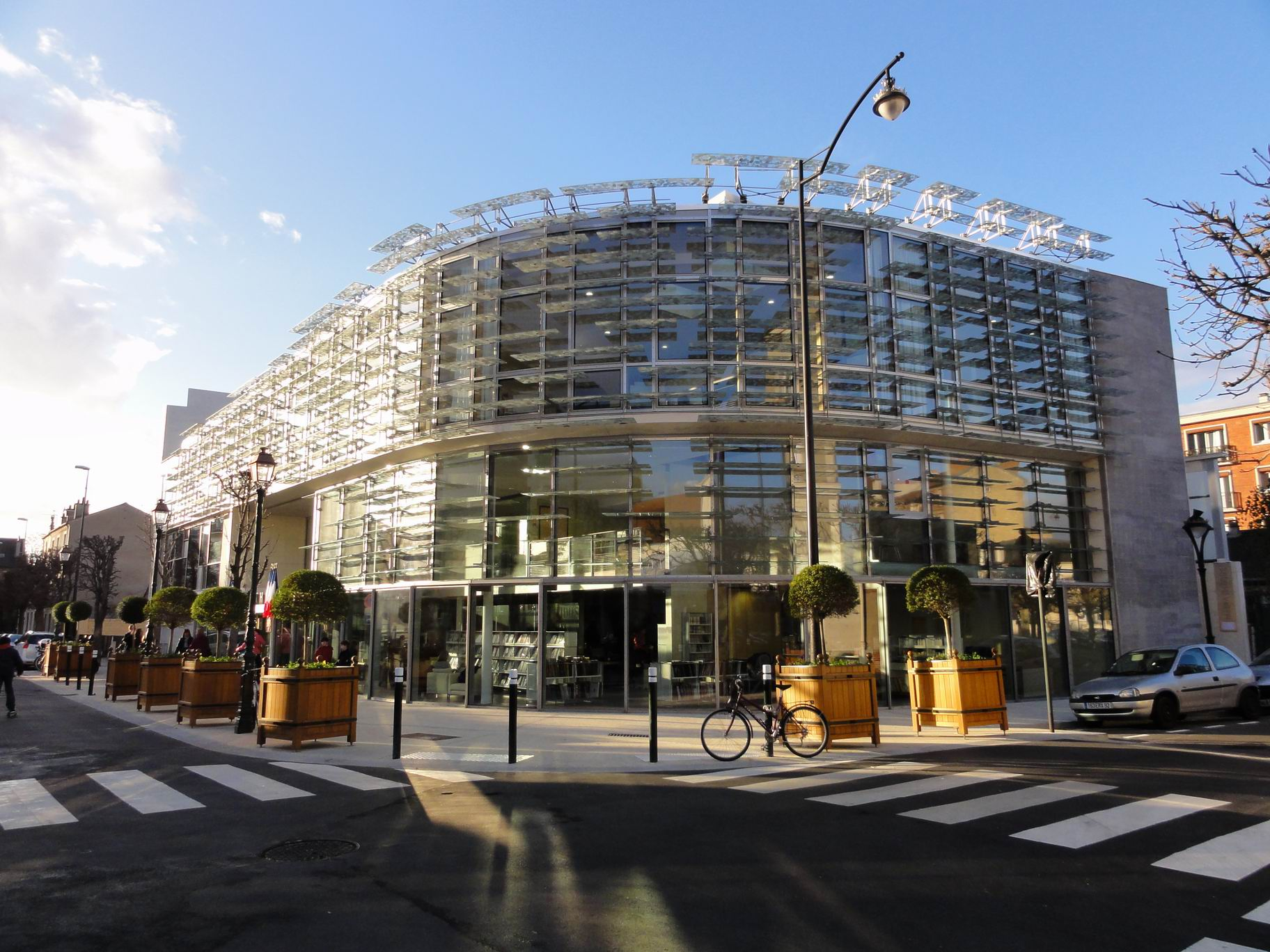 File la garenne colombes la m diath wikimedia commons - Le loft la garenne colombes ...