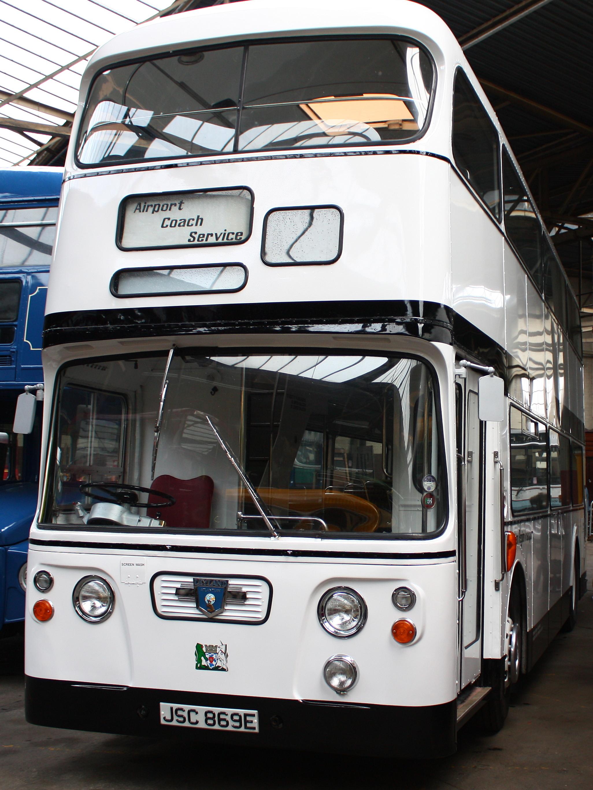 File:Lothian Region Transport preserved bus 869 Leyland ...