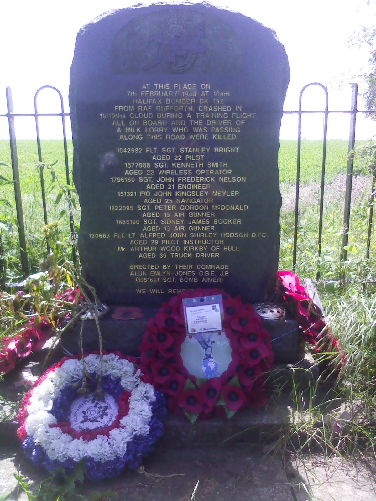 File:Memorial Garrowby Hill jpg - Wikimedia Commons