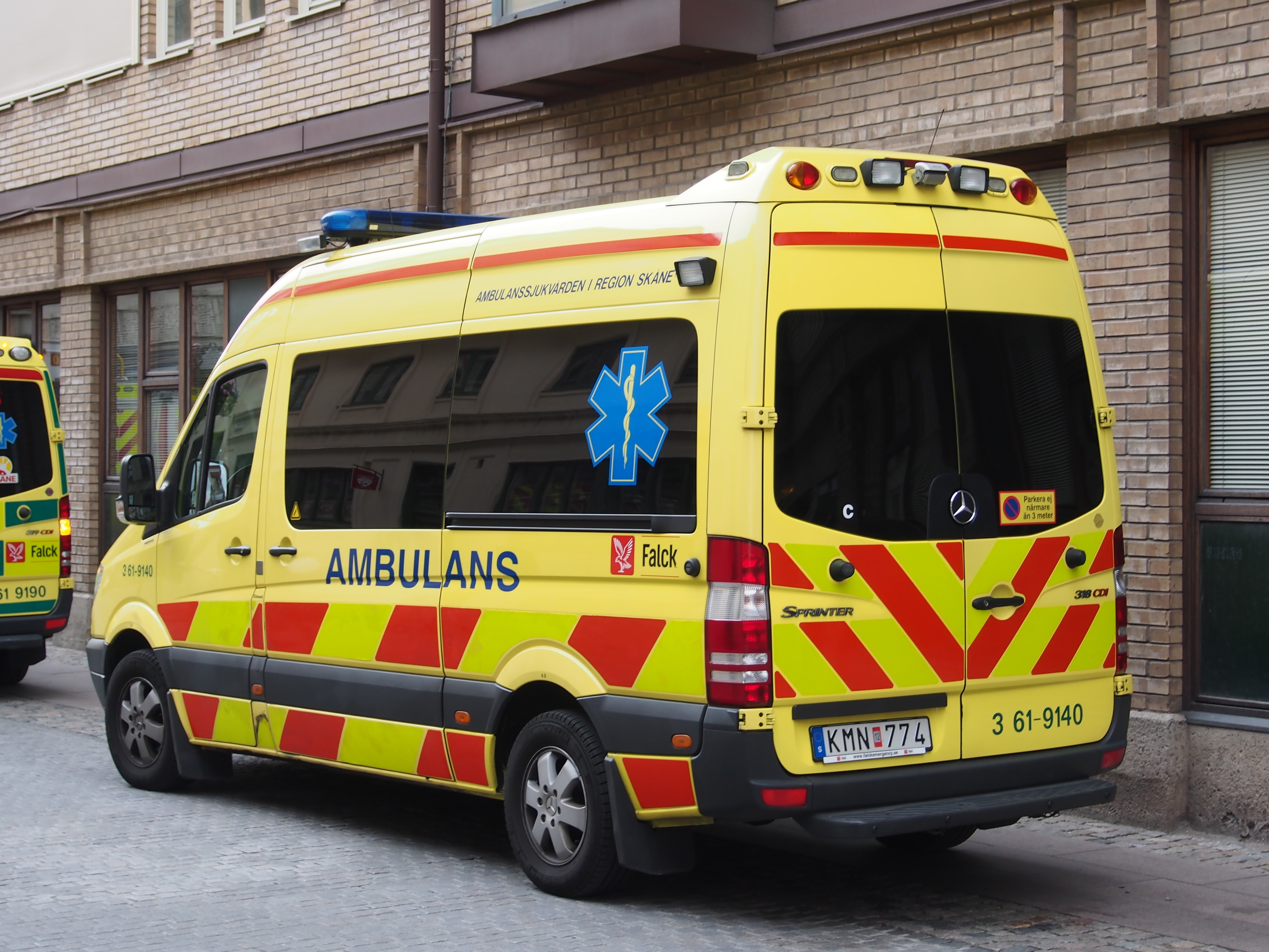 File Mercedes Sprinter Ambulance In Malmo Pic1 Jpg