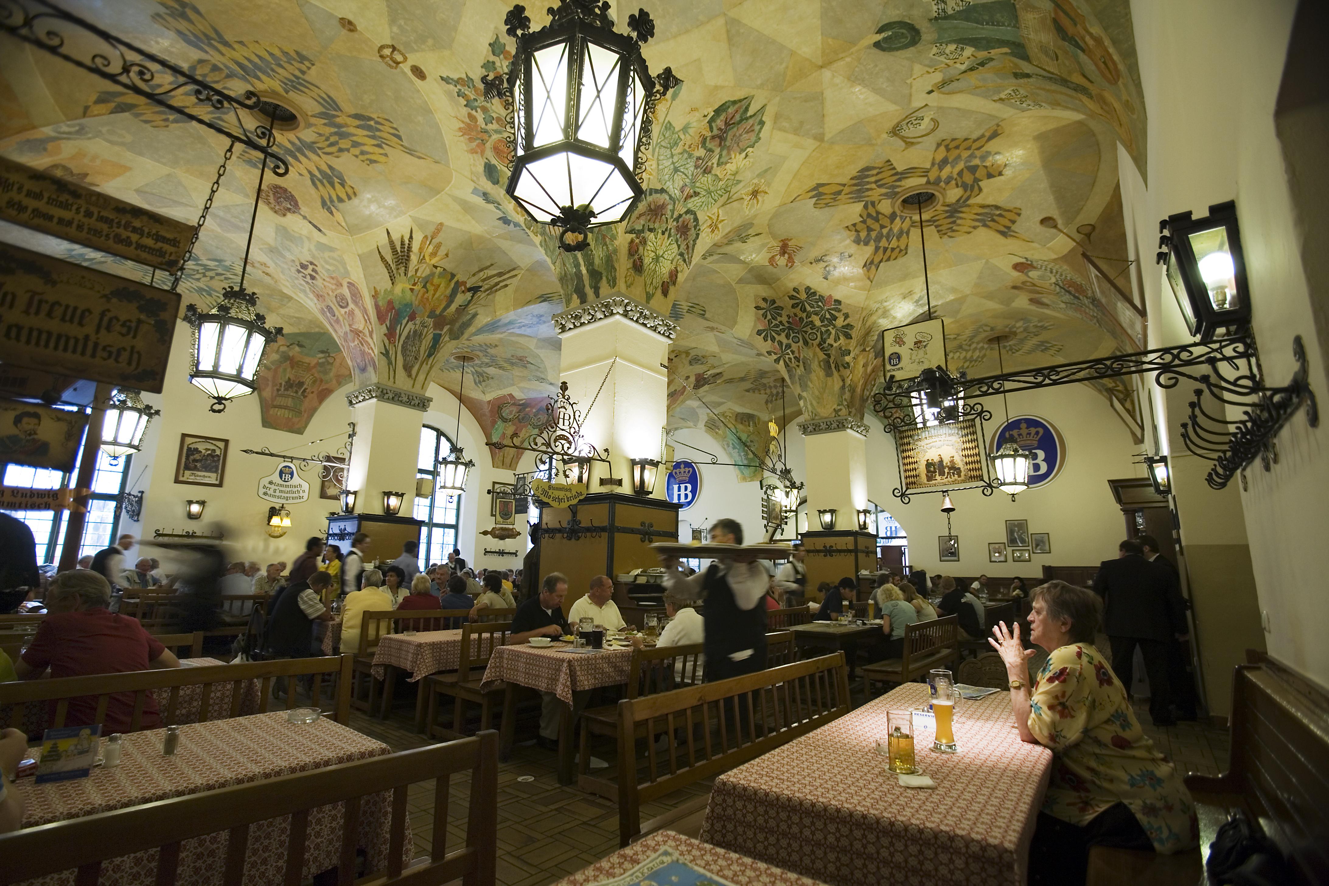 """Résultat de recherche d'images pour """"Hofbräuhaus Brewery munich"""""""