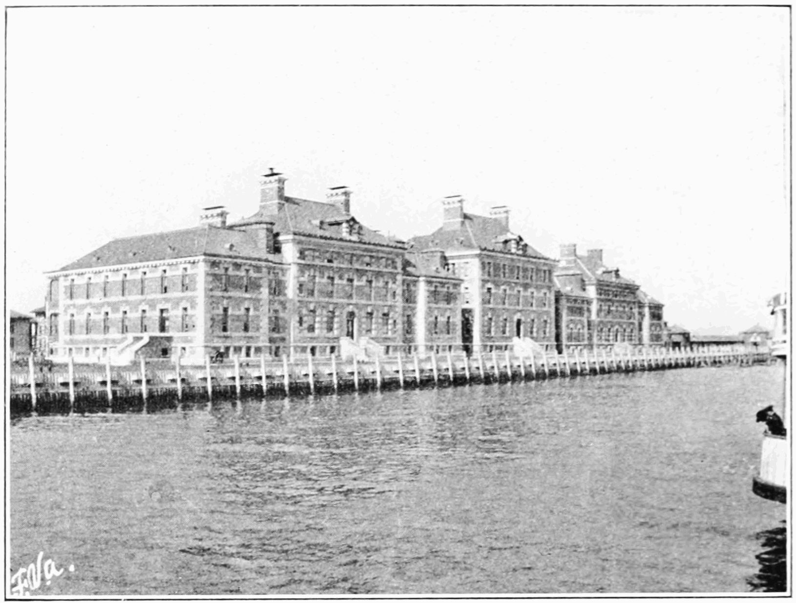 PSM V83 D320 Immigrant hospital at ellis island.png