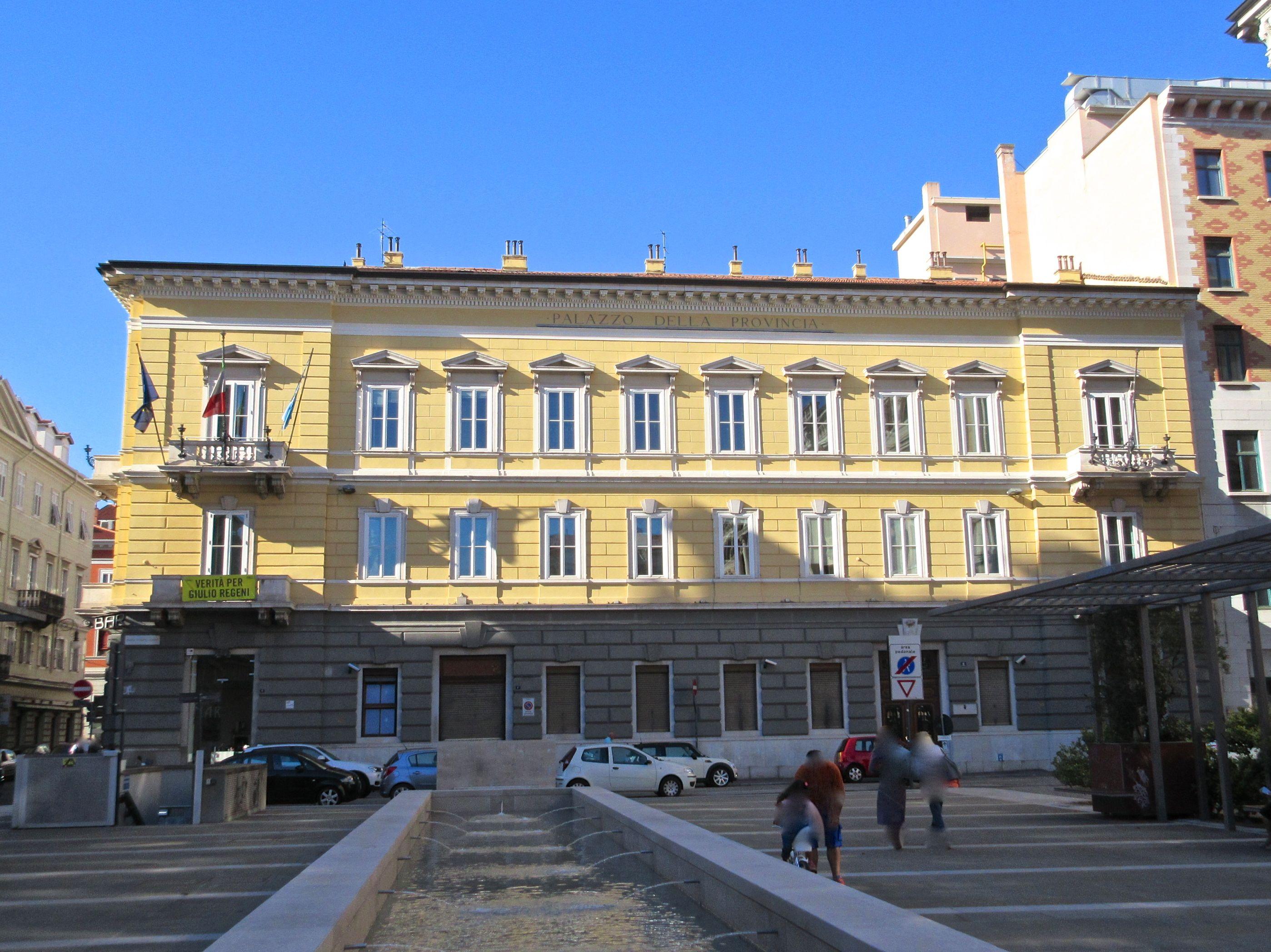 Palazzo Galatti Piazza Vittorio Veneto 4