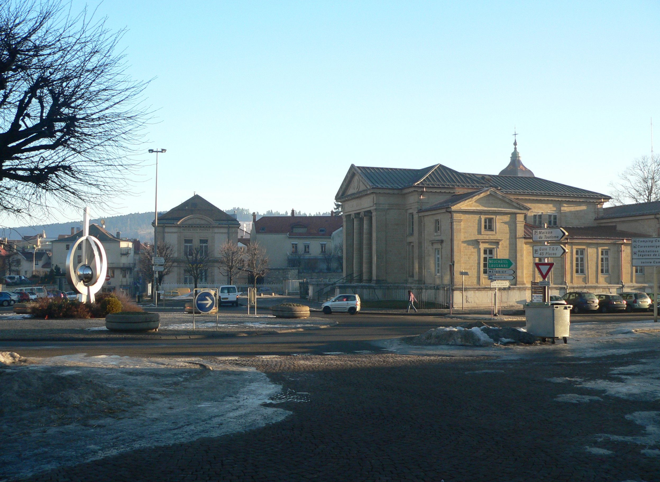 Pontarlier France  city photo : Pontarlier French: [pɔ̃.taʁ.lje] ; Latin: Ariolica is a commune ...