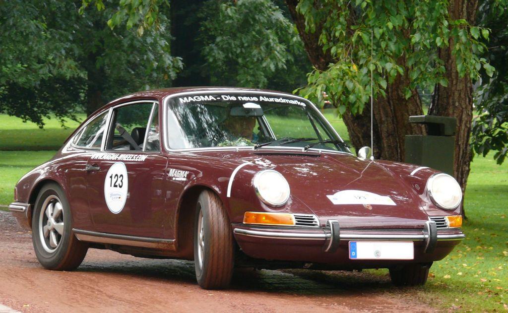 Porsche_912_Coup%C3%A9_B_vr.jpg