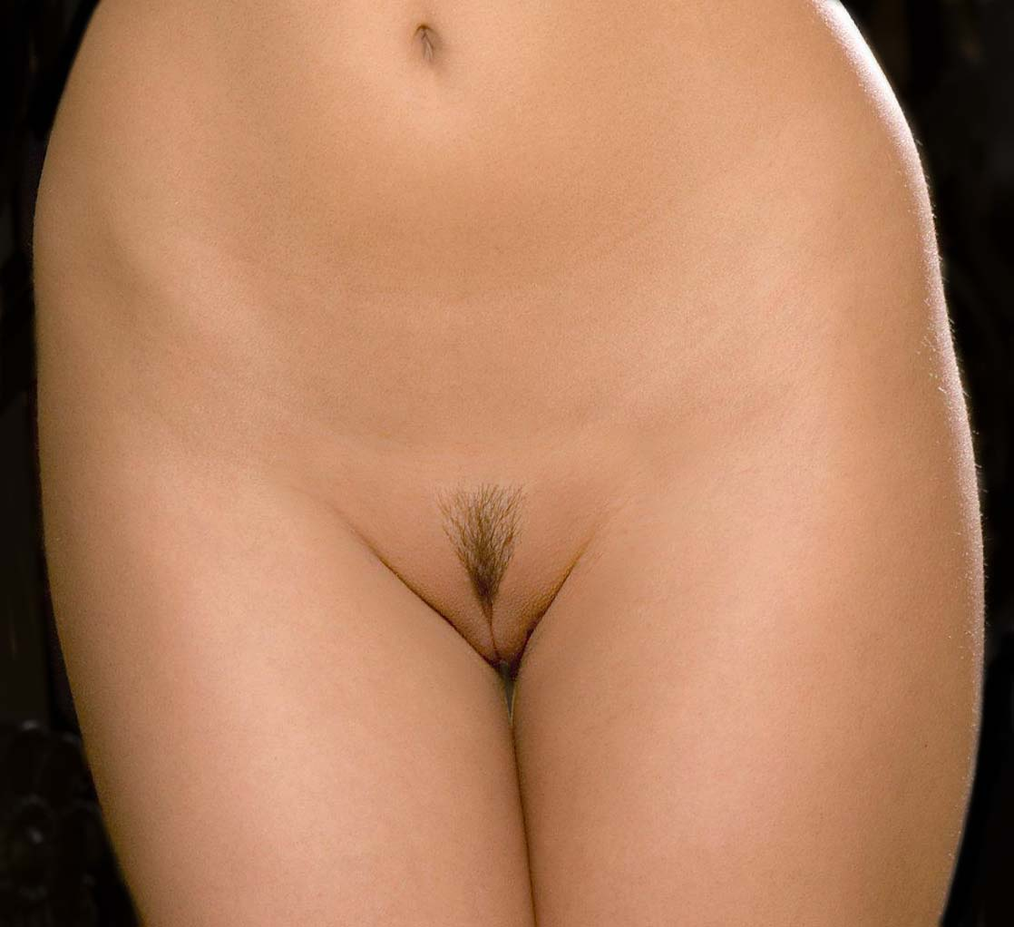 Nude women sexy with pubic hair — pic 2