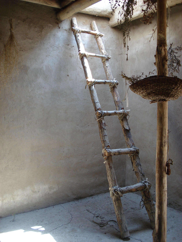 File reconstructed ladder asikli hoyuk jpg wikimedia commons - Fabriquer une echelle en bois ...