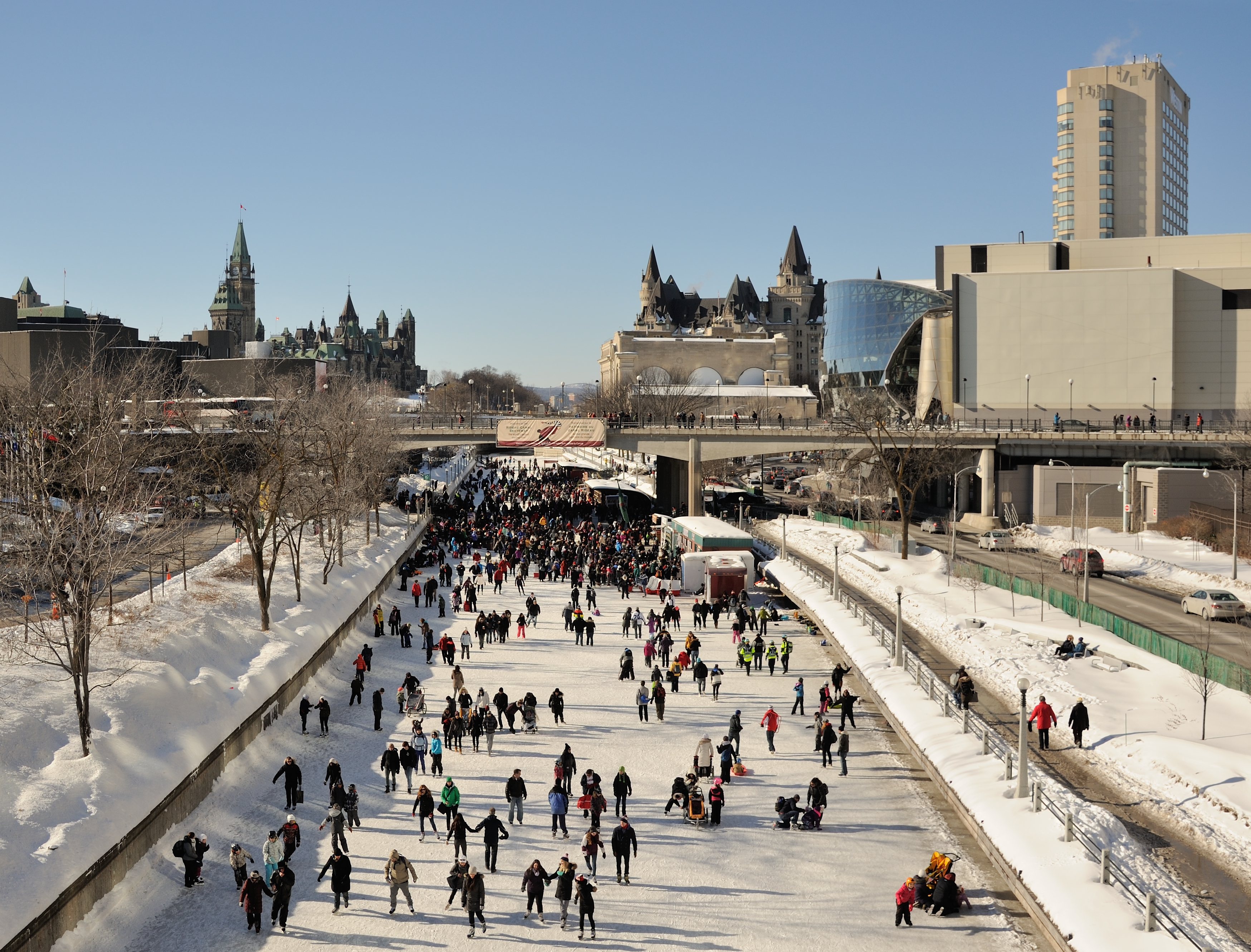 File:Rideau Canal Skateway Ottawa - 2.jpeg - Wikimedia Commons