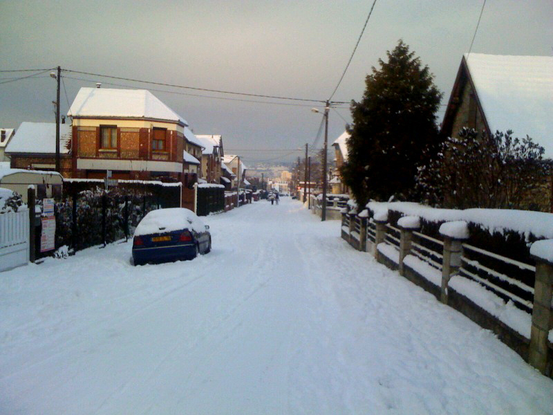 Rue Joseph Lebas sous la neige Sotteville-lès-Rouen