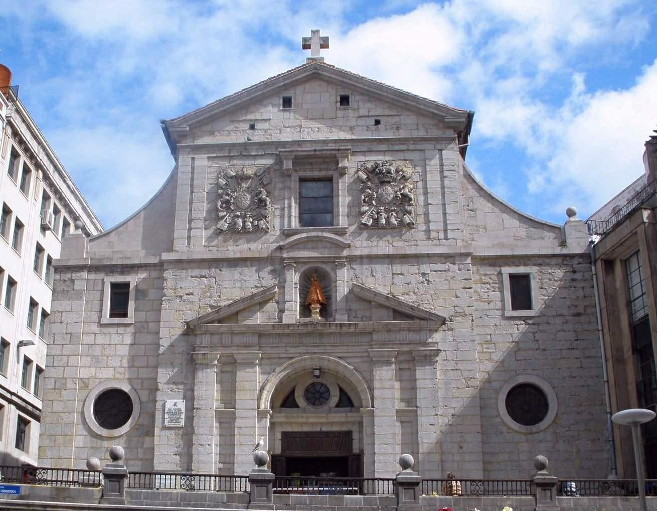 Fachada de la iglesia de la Anunciación, Santander