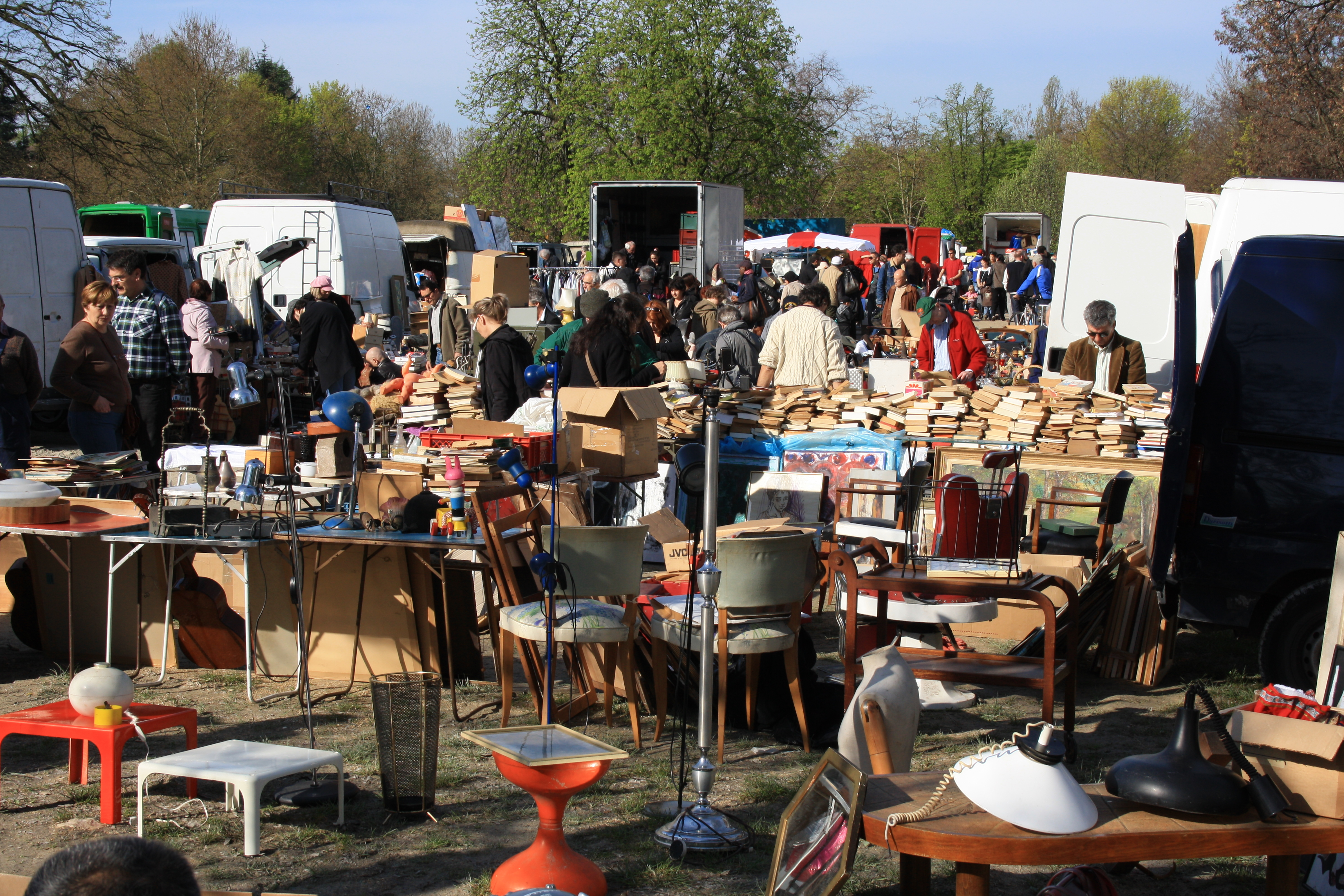 File second hand market in champigny sur marne for Ohrensessel 2 hand