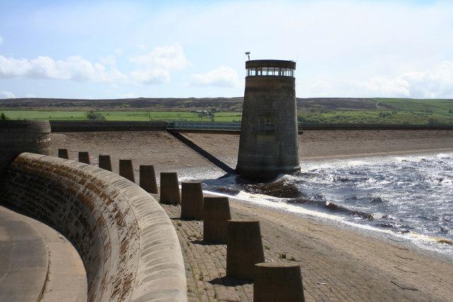 Spillway Derwent reservoir dam - geograph.org.uk - 495799