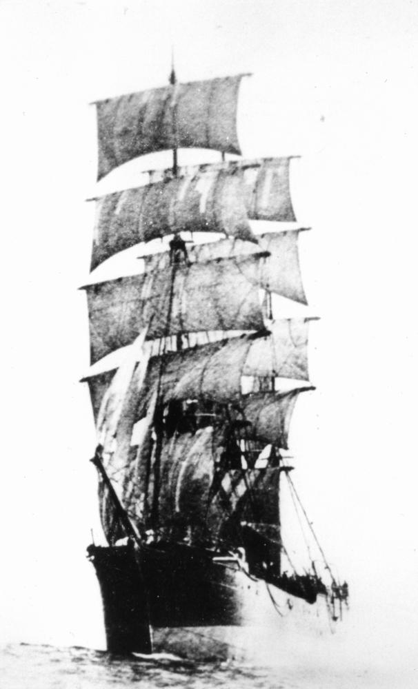 StateLibQld_1_170587_Star_of_Alaska_(ship).jpg