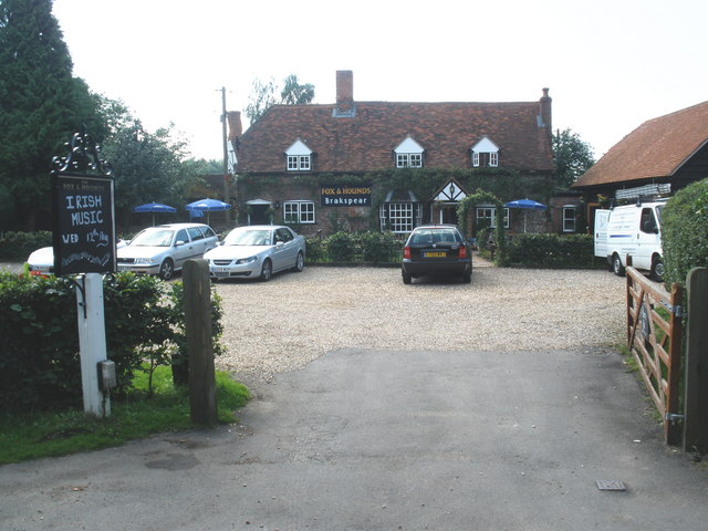 The Fox and Hounds, Christmas Common - geograph.org.uk - 1439652