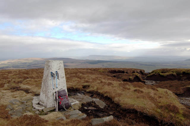 Trig Point on Totridge with Pendle in the distance - geograph.org.uk - 128605