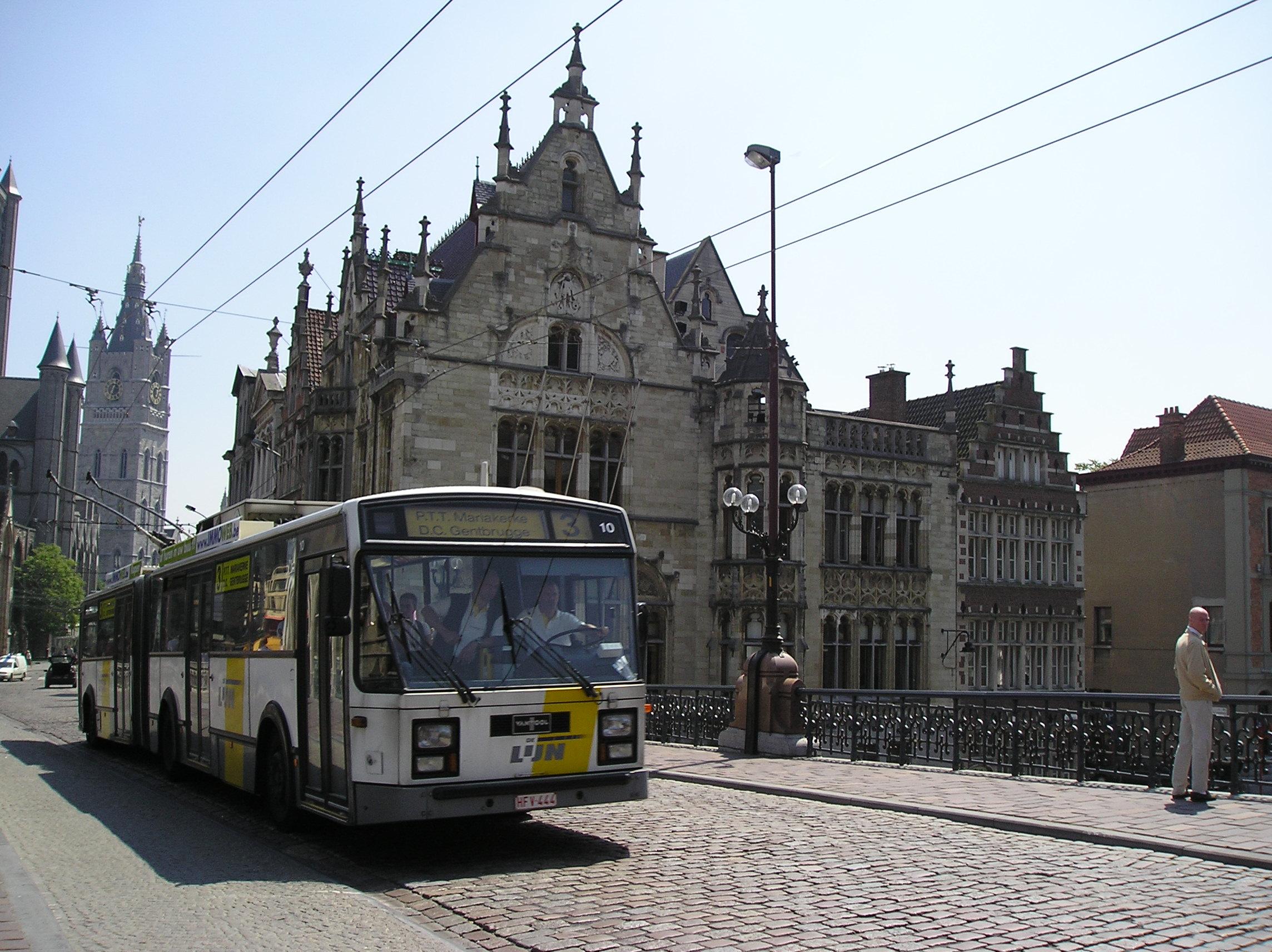 Trolleybus_Sint-Michielsbrug.JPG