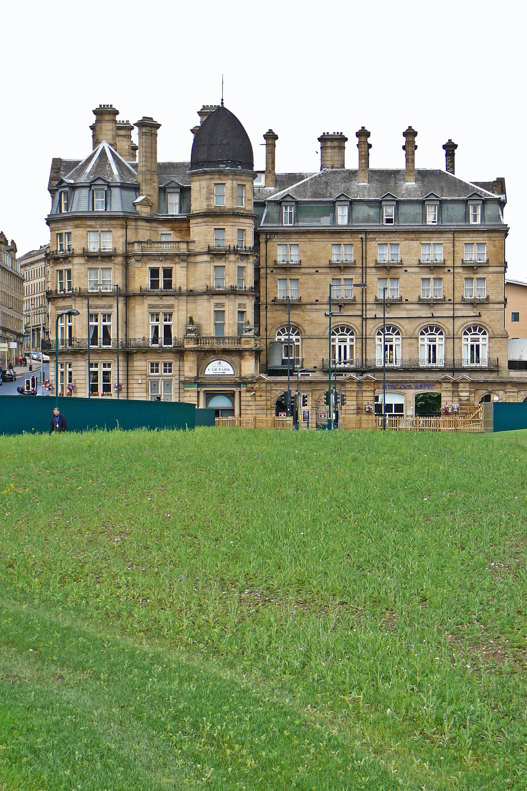 File:Urban garden and the Midland Hotel, Bradford.jpg - Wikimedia ...