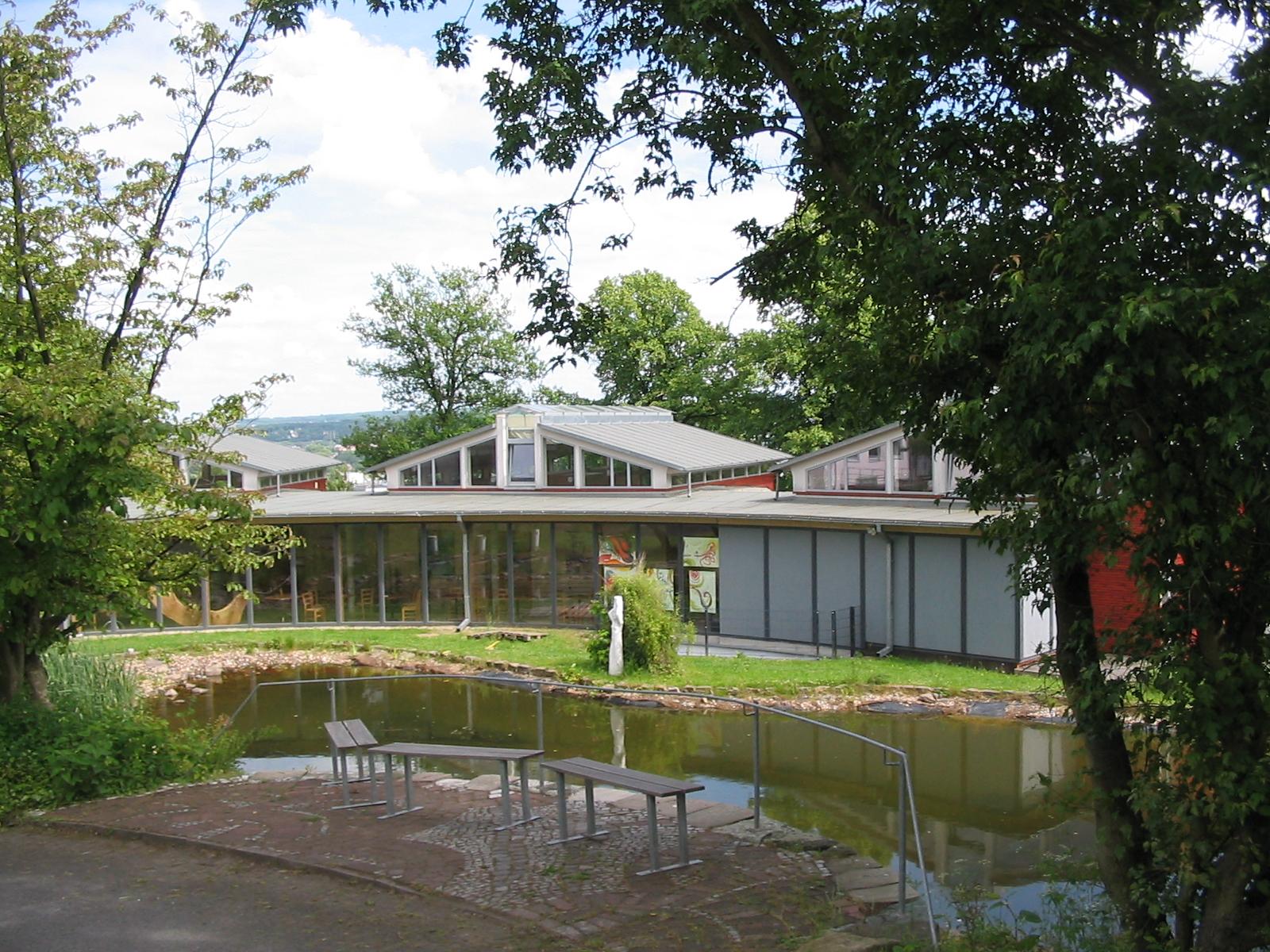 Teichbau  File:Witten Institut für Waldorfpädagogik Teichbau.jpg - Wikimedia ...