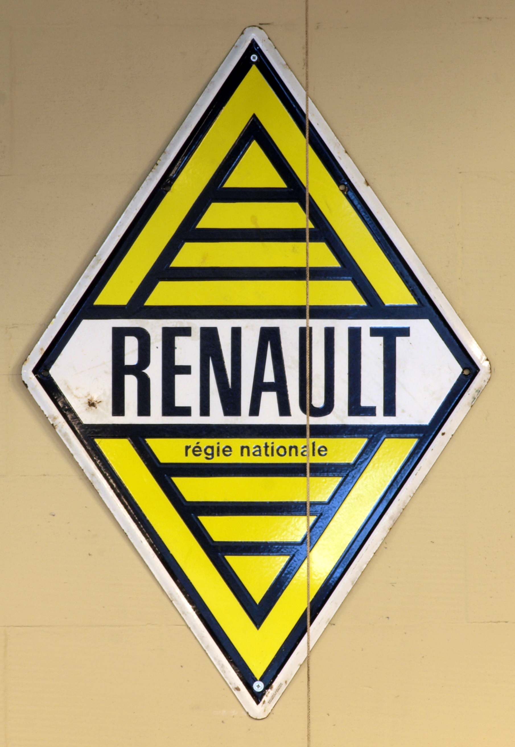 FileYellow Renault Regie Nationale Enamel Advert Sign At The Den Hartog Ford Museum