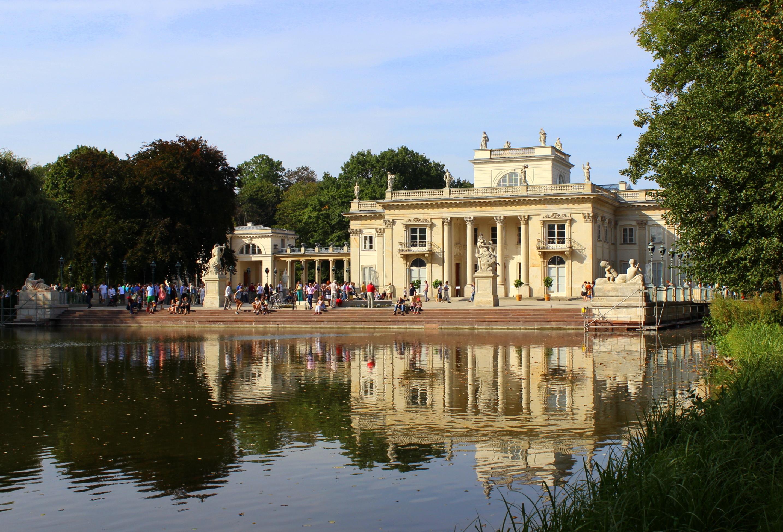 Filełazienki Królewskie W Warszawie Pałac Na Wodziejpg