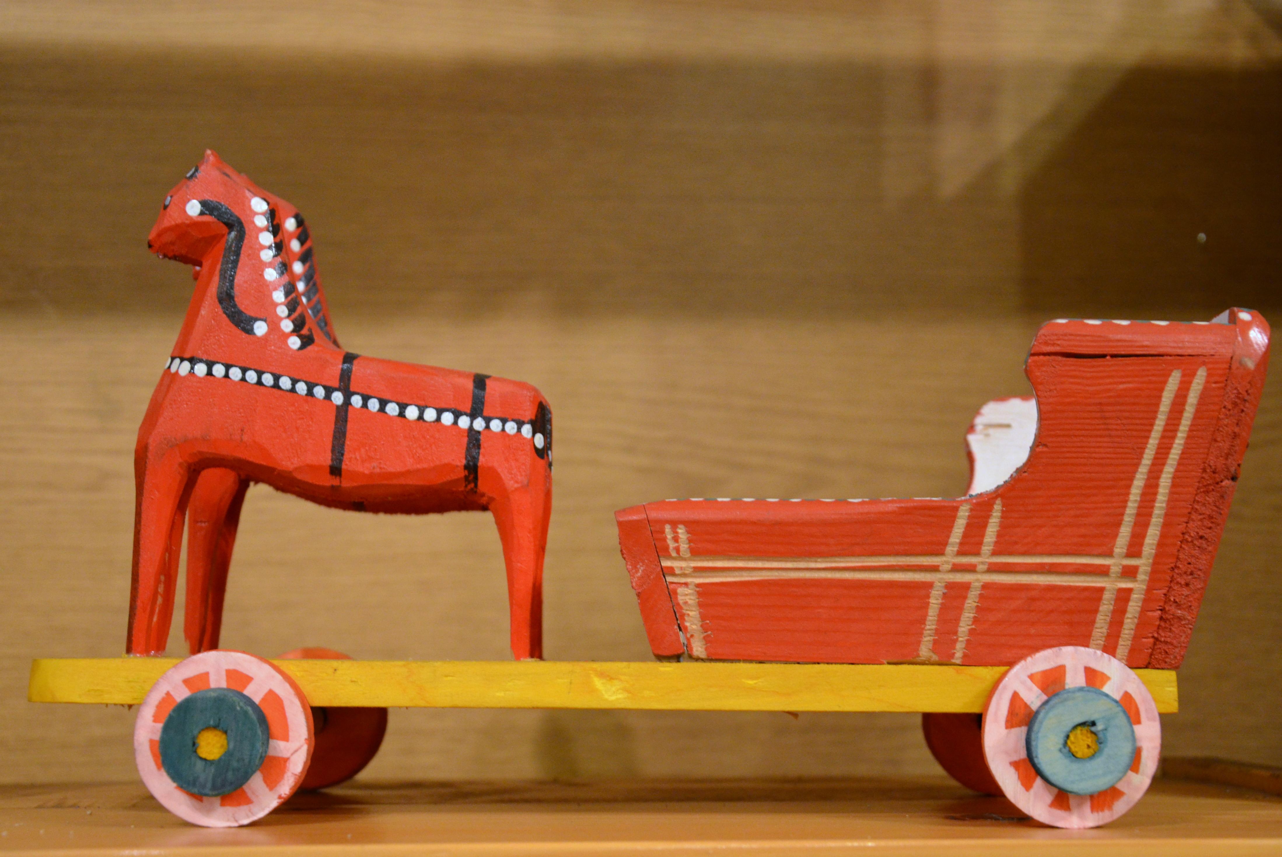 Altes Holzspielzeug PFERD mit WAGEN Bauernhof Fahrzeuge