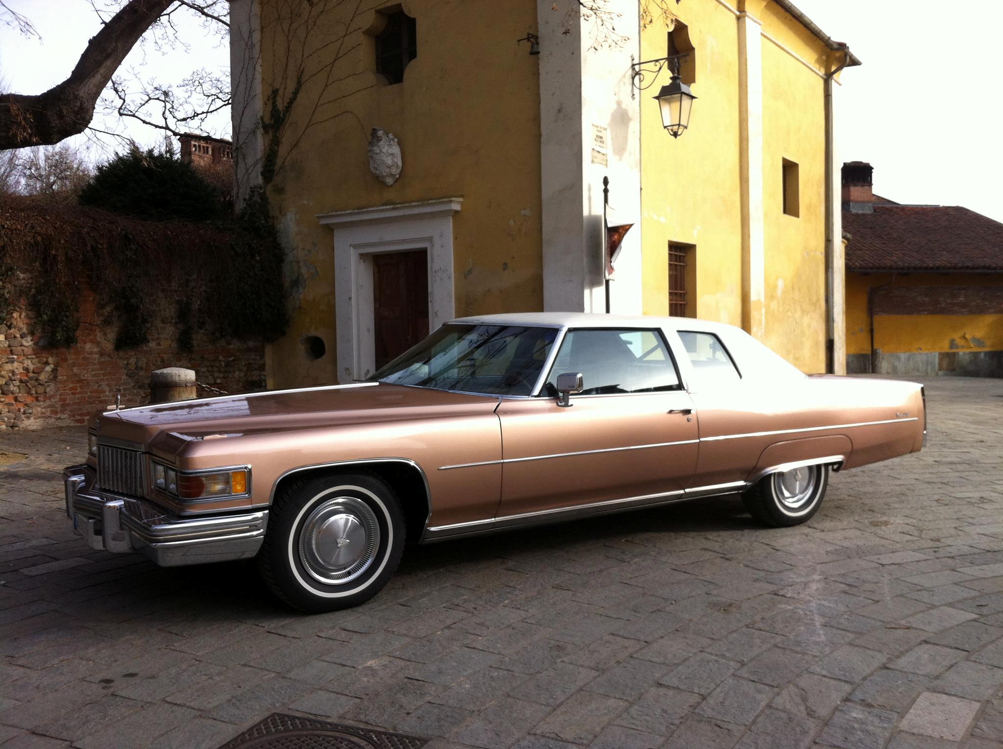 File:1975 Cadillac Coupe Deville fvl.jpg - Wikimedia Commons