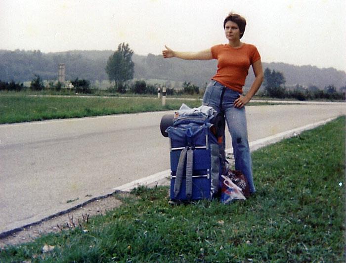 https://upload.wikimedia.org/wikipedia/commons/5/5c/1977_Hitchhiker-Luxemburg-1977.jpg?uselang=de