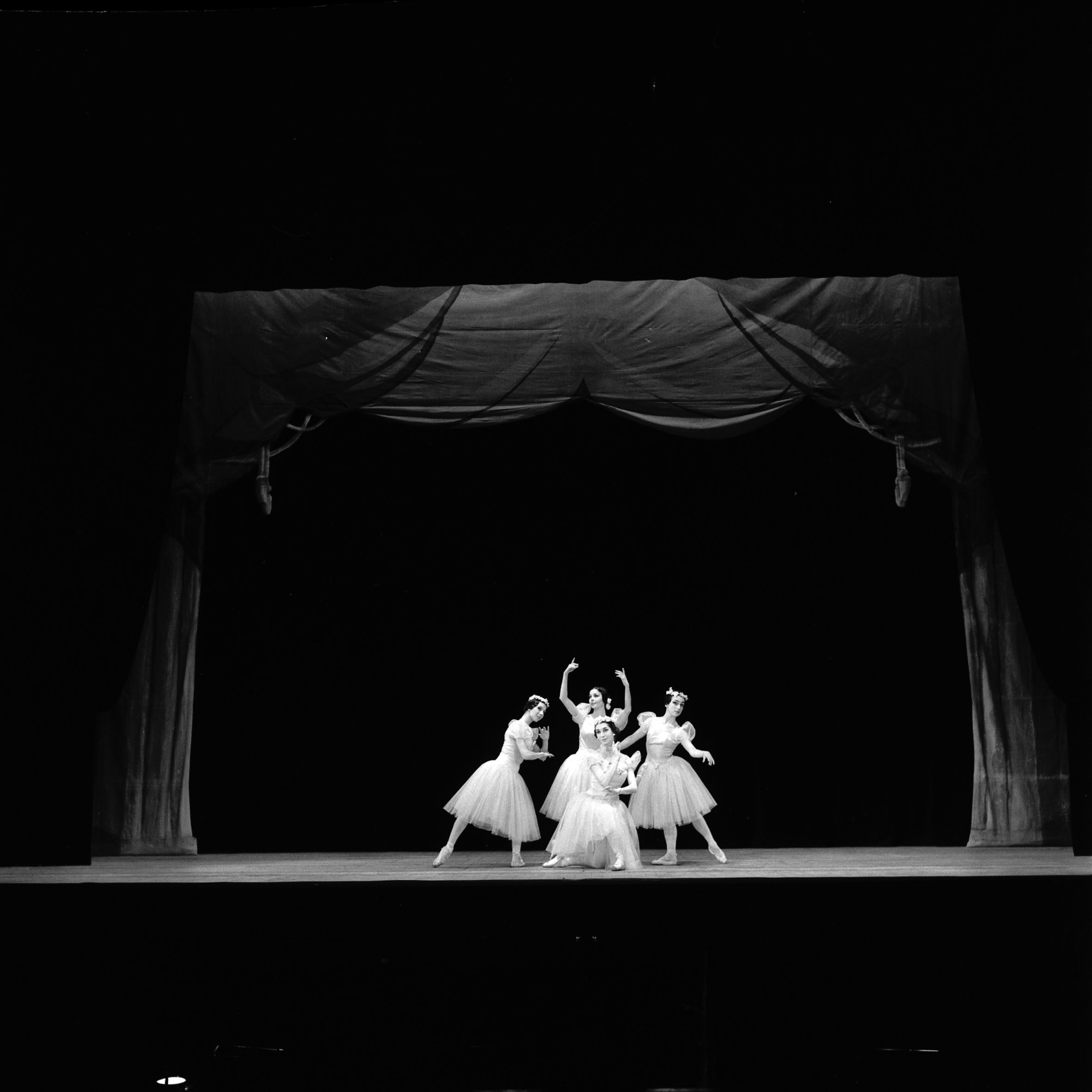 File 20 03 1968 Decor Et Spectacle De Ballet 1968 53fi3809 Jpg