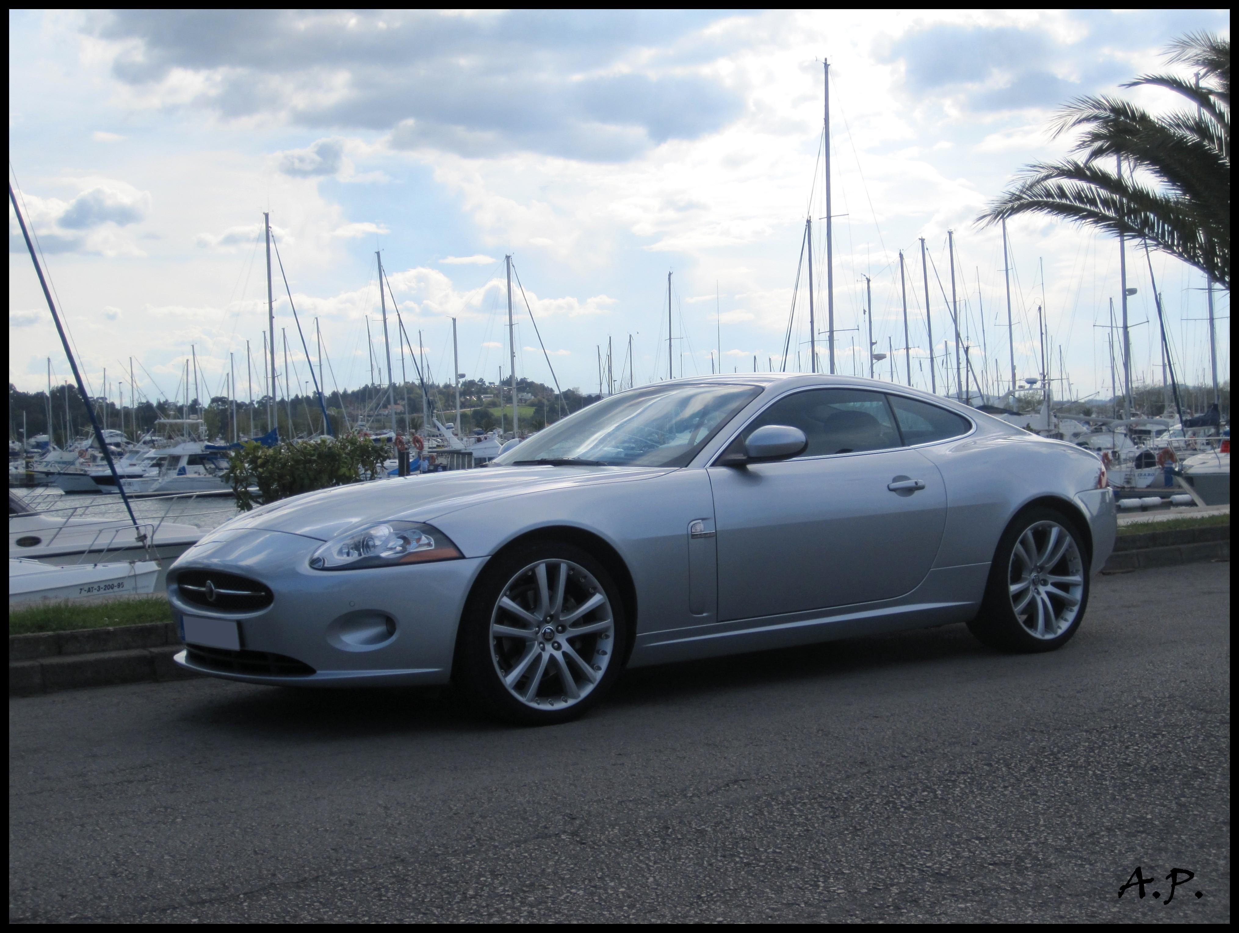 File:2006 Jaguar XK (4535430765).jpg - Wikimedia Commons