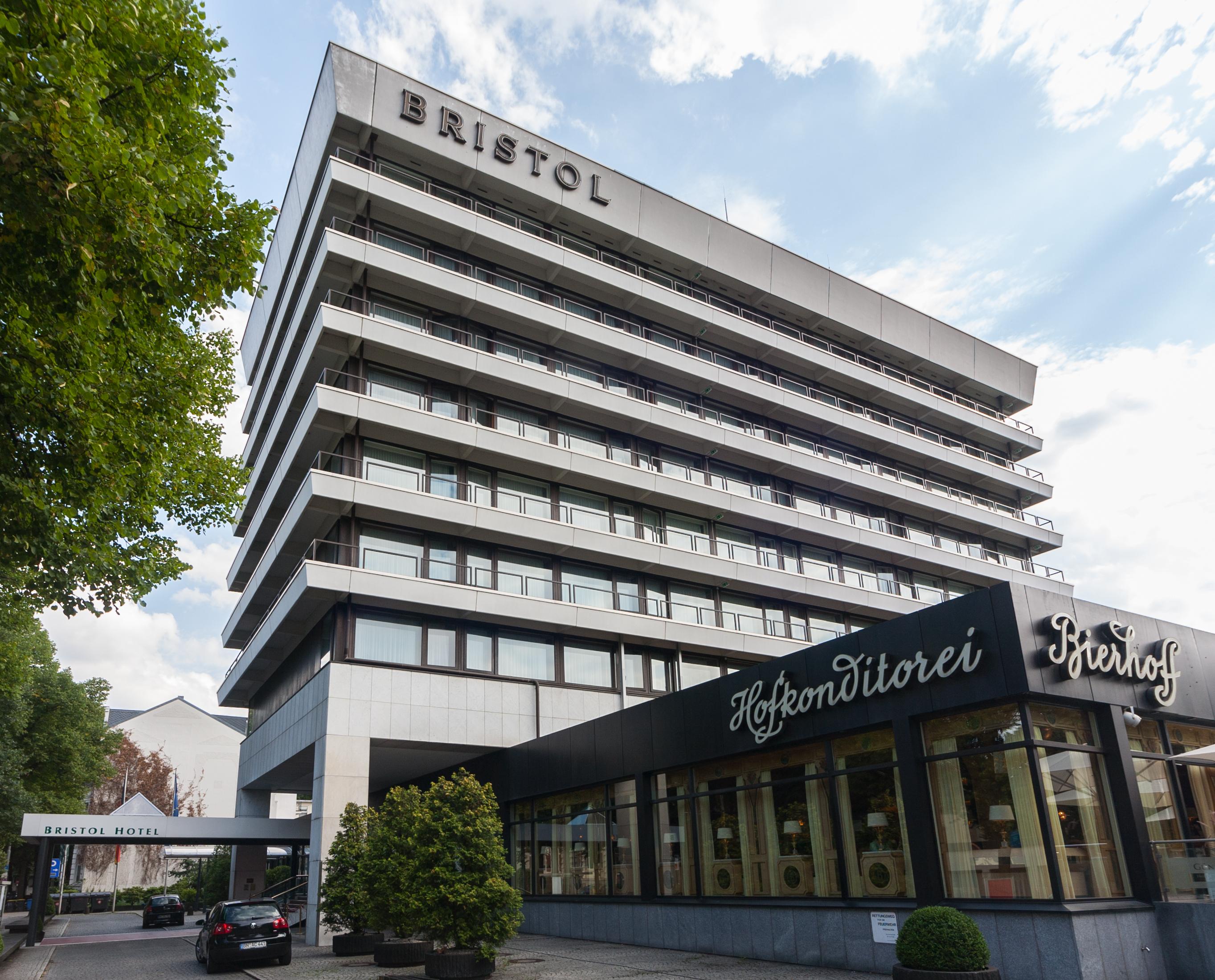2013-08-27_Hotel_Bristol%2C_Prinz-Albert-Stra%C3%9Fe_2%2C_Bonn_IMG_5227.jpg