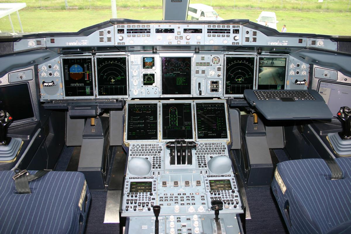 FileA 380 Cockpit