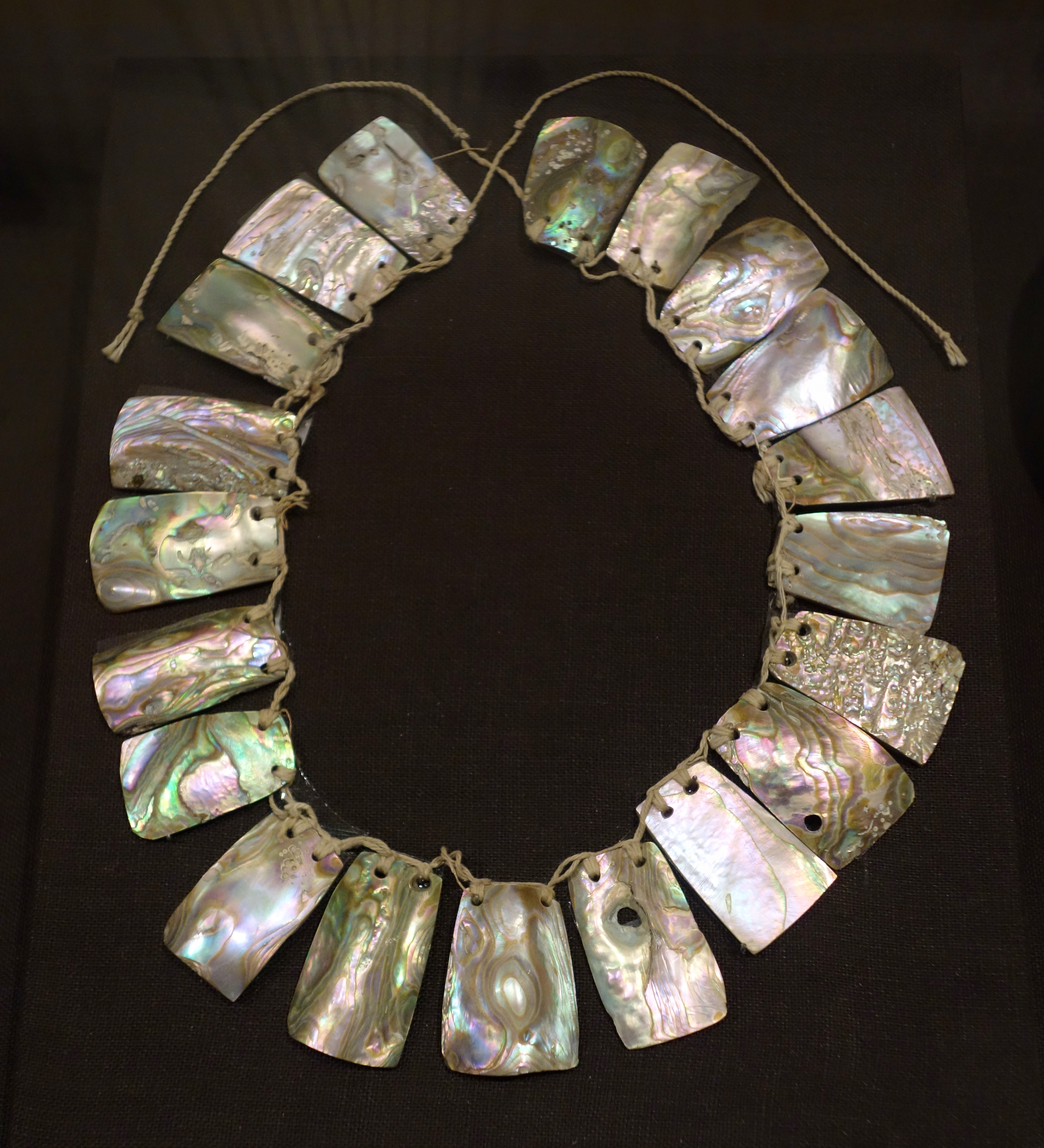 Exhibition Shell Necklace : File abalone necklace miwok oakland museum of