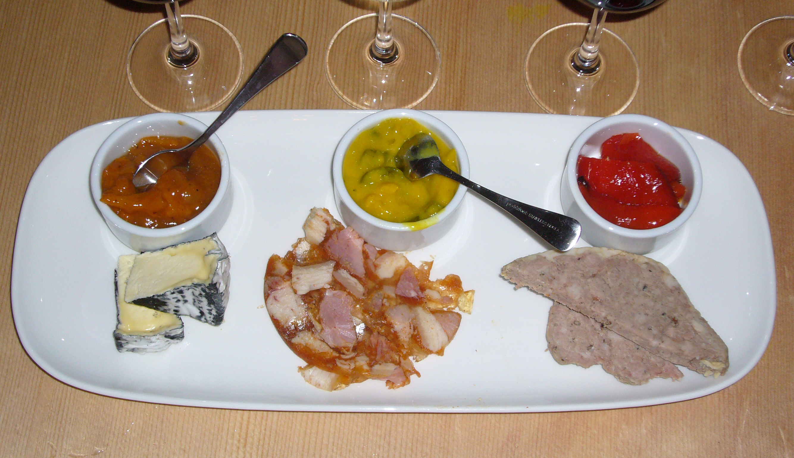 how to serve head cheese