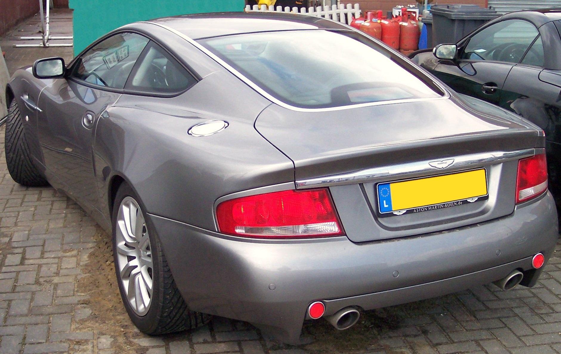 File Aston Martin Vanquish V12 Hl Silver Jpg Wikimedia Commons