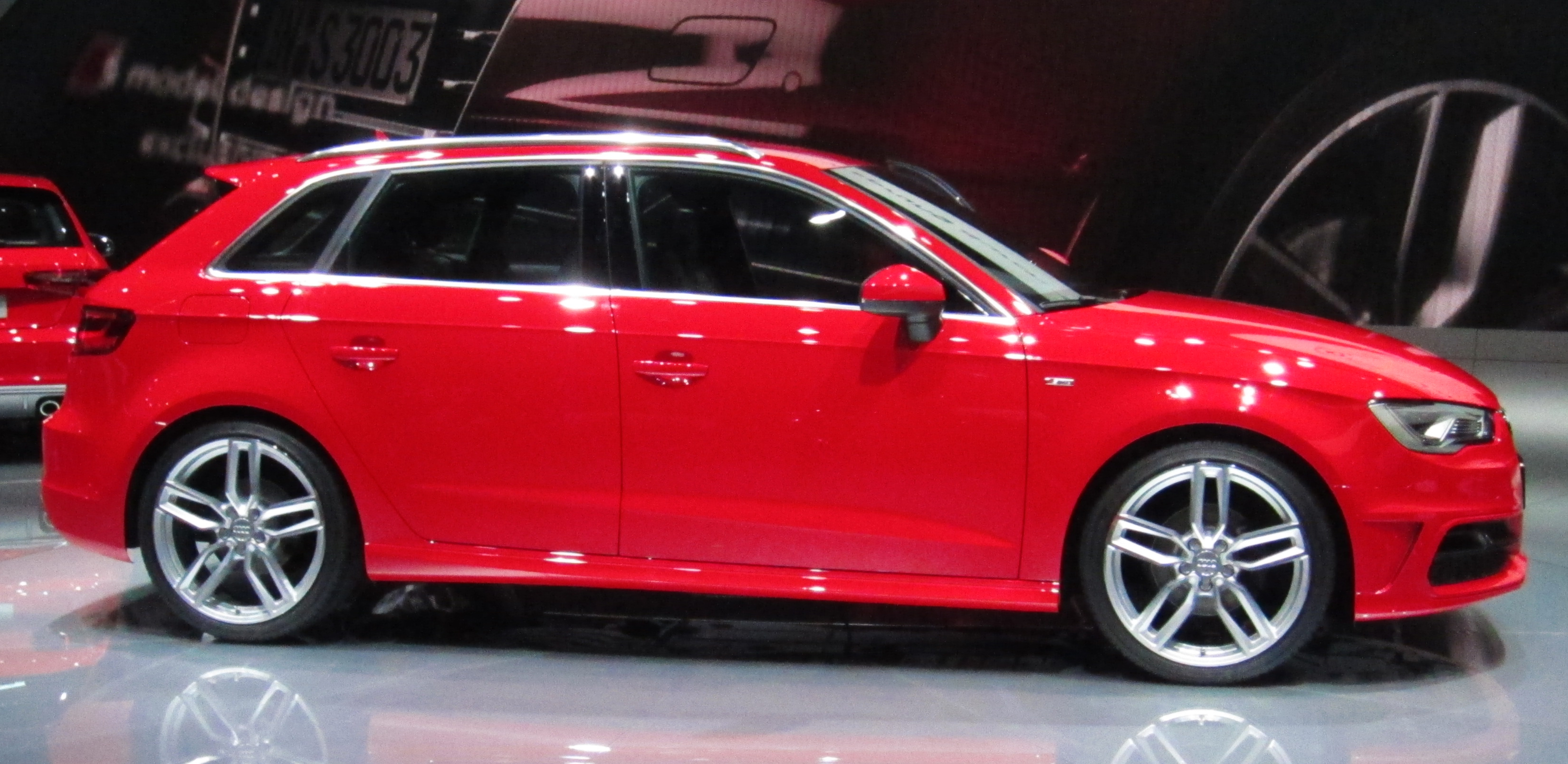 File Audi A3 Sportback 8v Side Jpg Wikimedia Commons