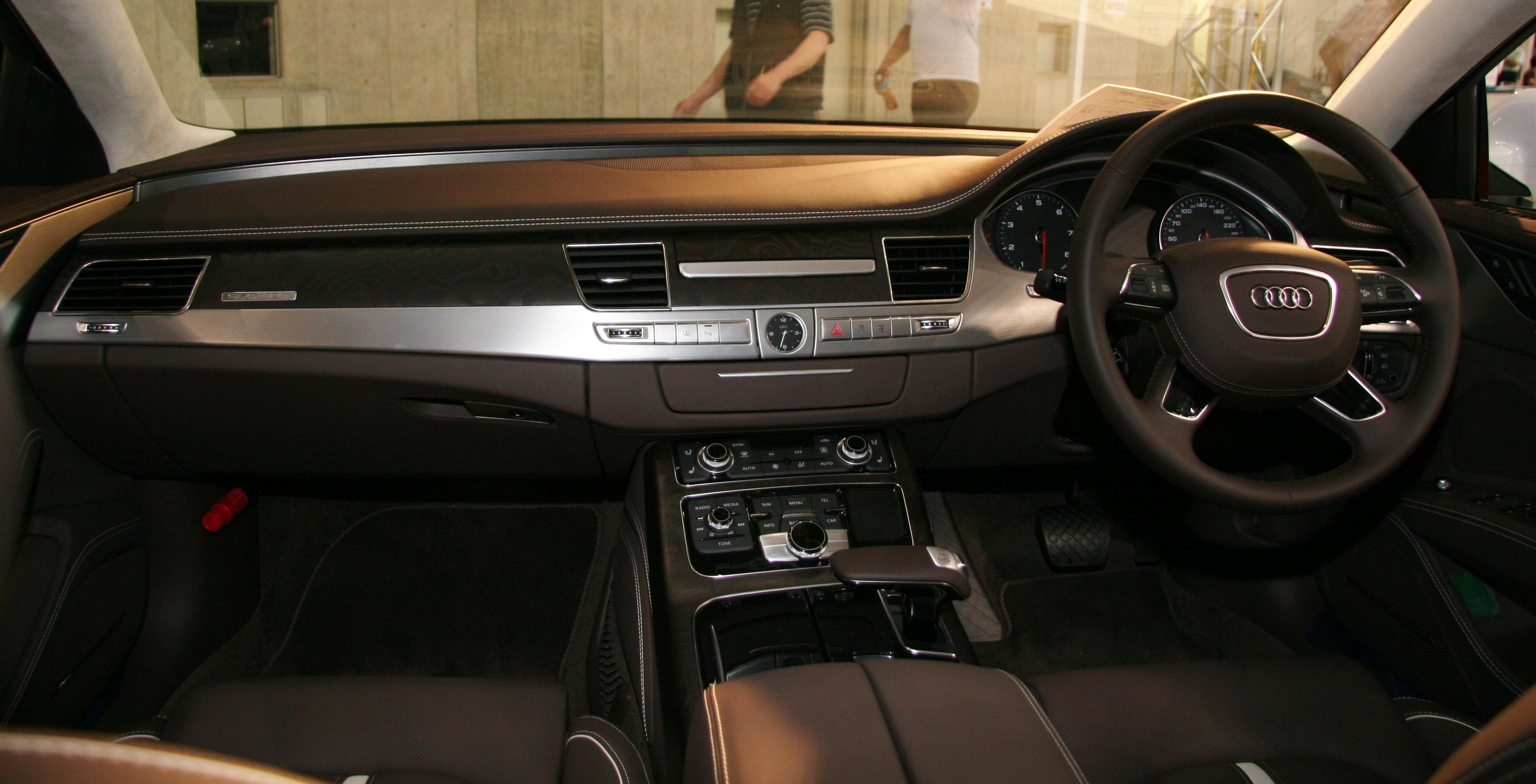 File Audi A8 D4 Interior Jpg Wikimedia Commons