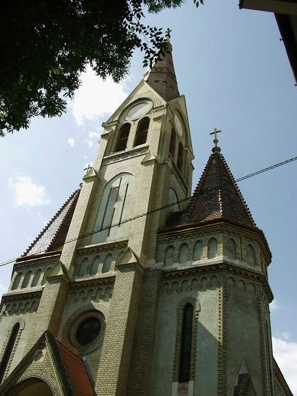 Fişier:Biserica Evanghelica Oradea.jpg