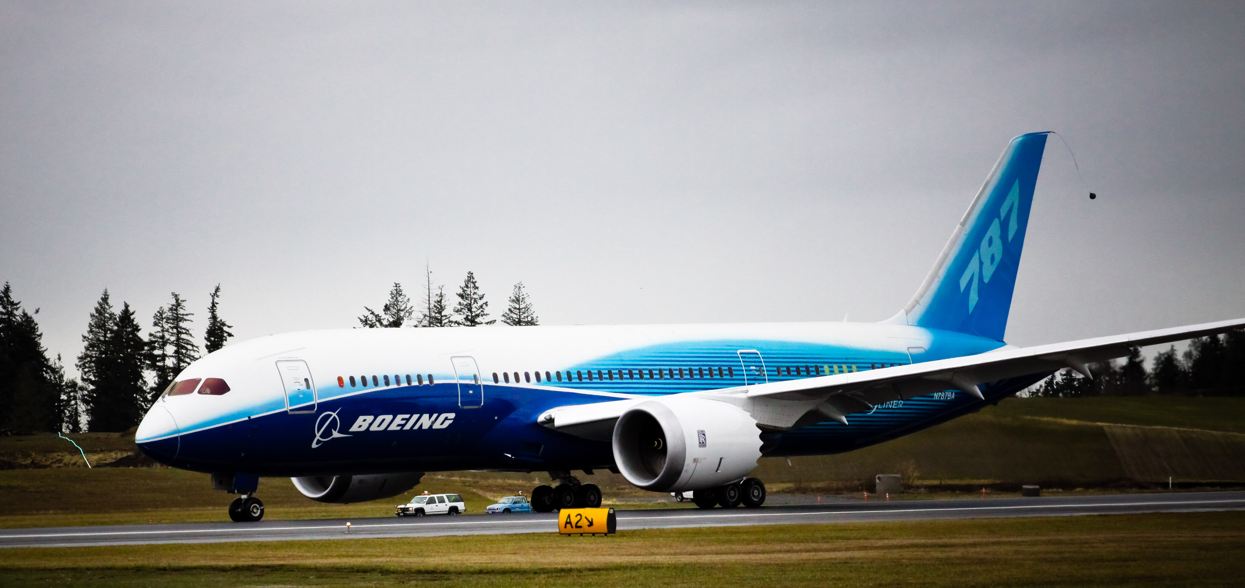 American S First Dreamliner Set To Touch Down Travelpulse