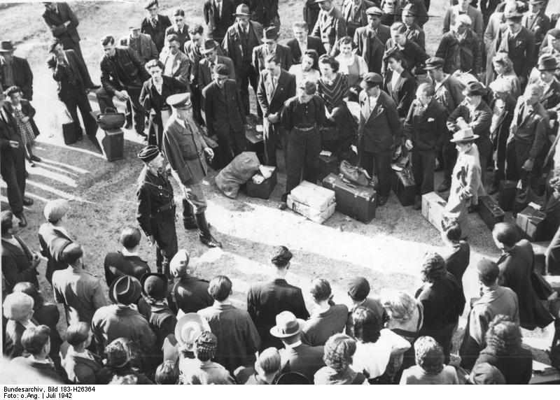 Bundesarchiv Bild 183-H26364, Paris, Anwerbung französischer Arbeiter