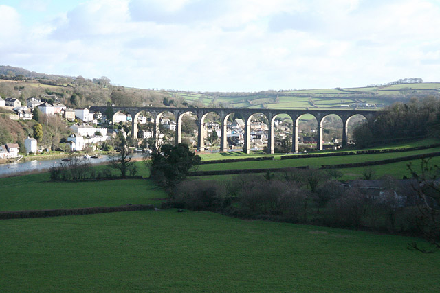 Calstock, the viaduct from the west - geograph.org.uk - 673397