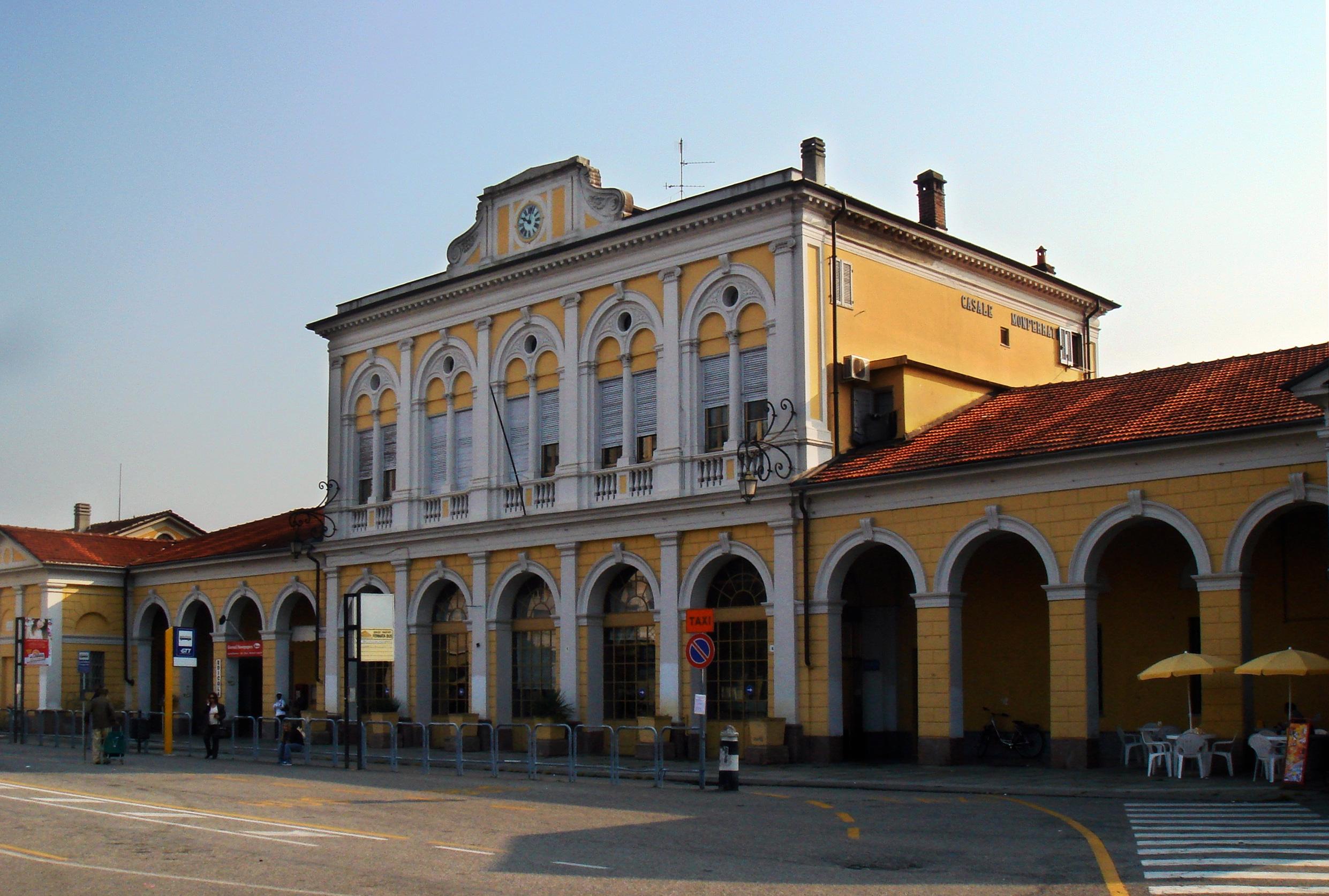 Risultati immagini per stazione ffs casale monferrato