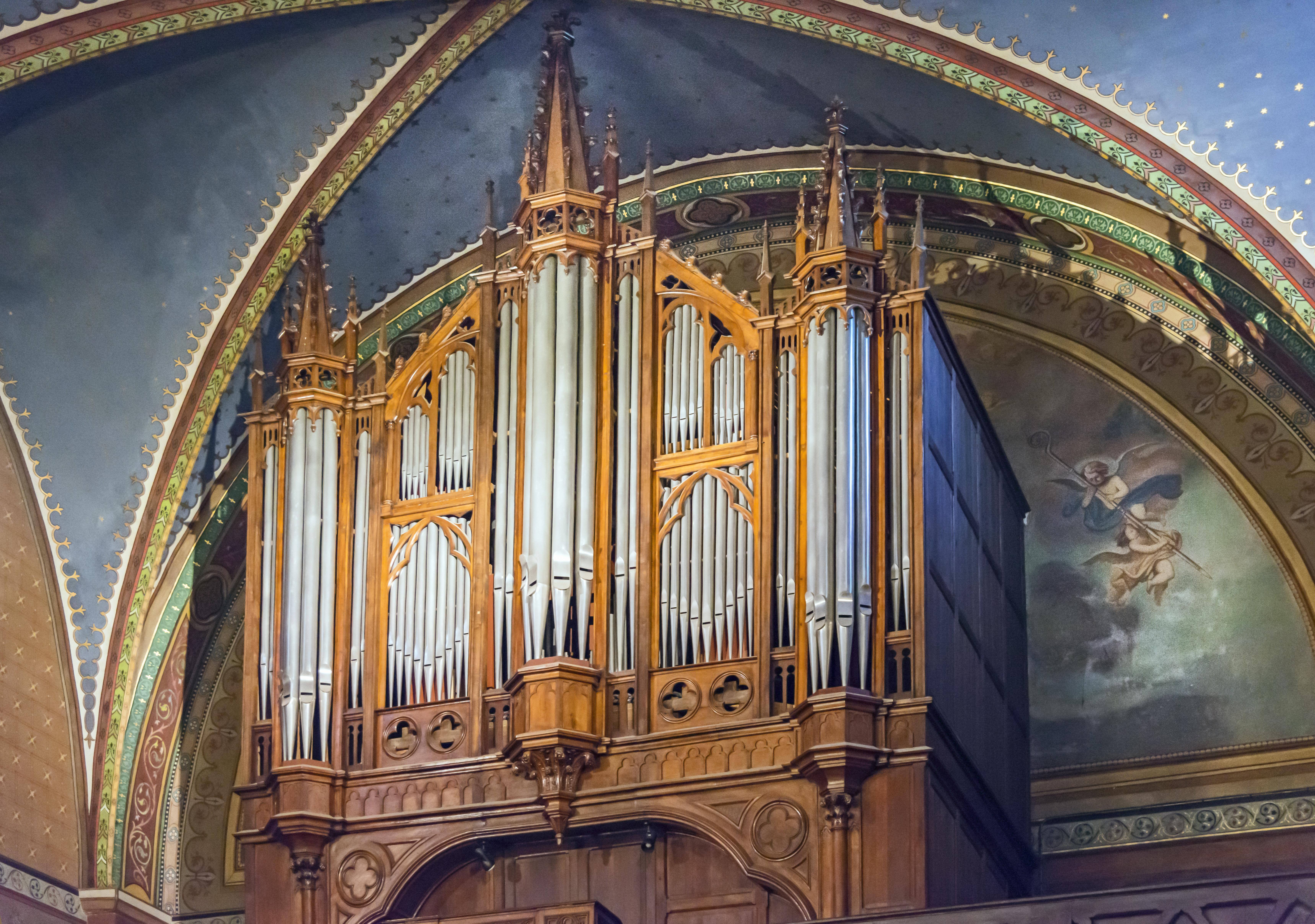 File:Castelnau-d'Estrétefonds Eglise - orgue jpg - Wikimedia