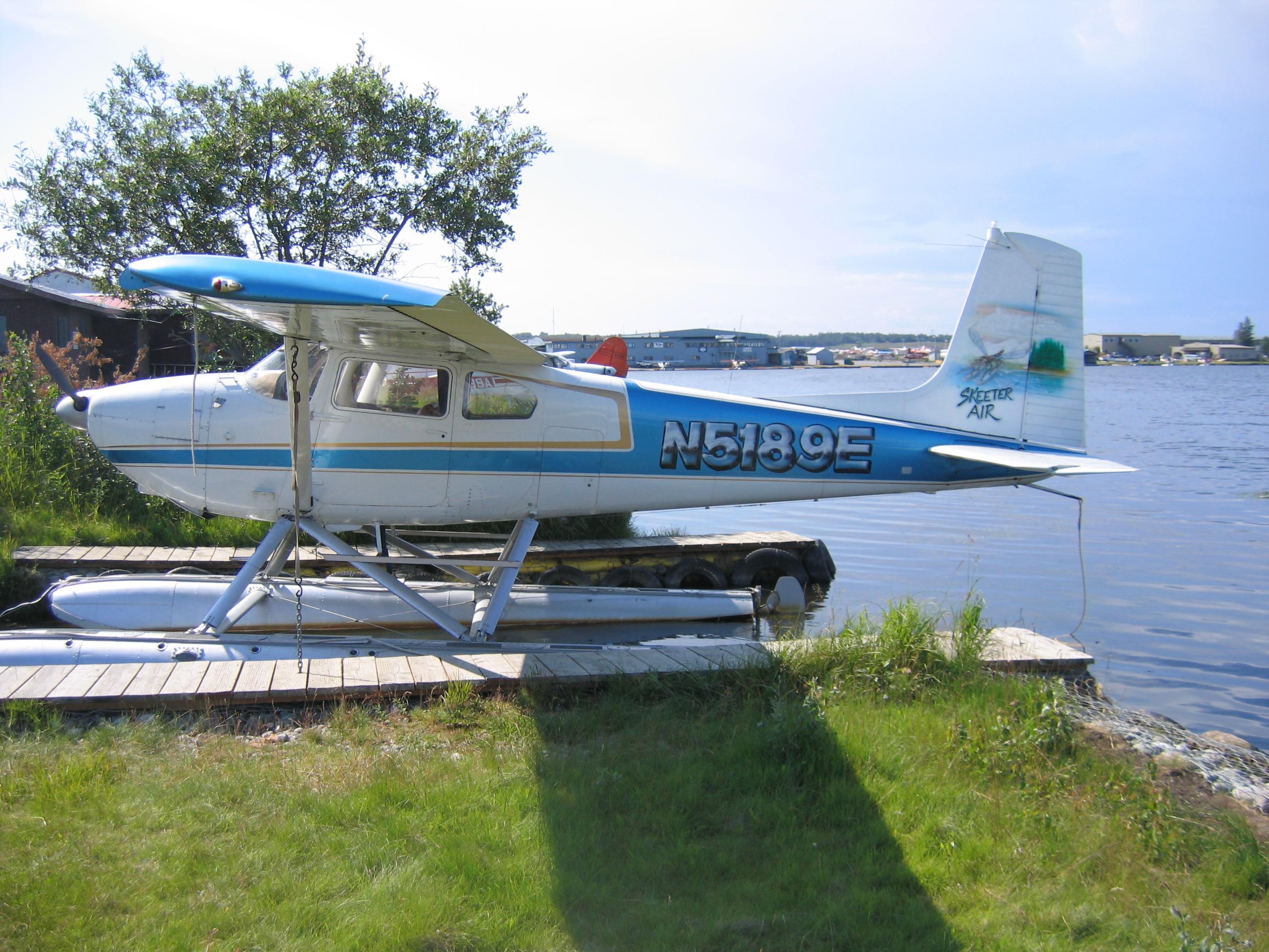 File:Cessna-180B-N5189E JPG - Wikimedia Commons