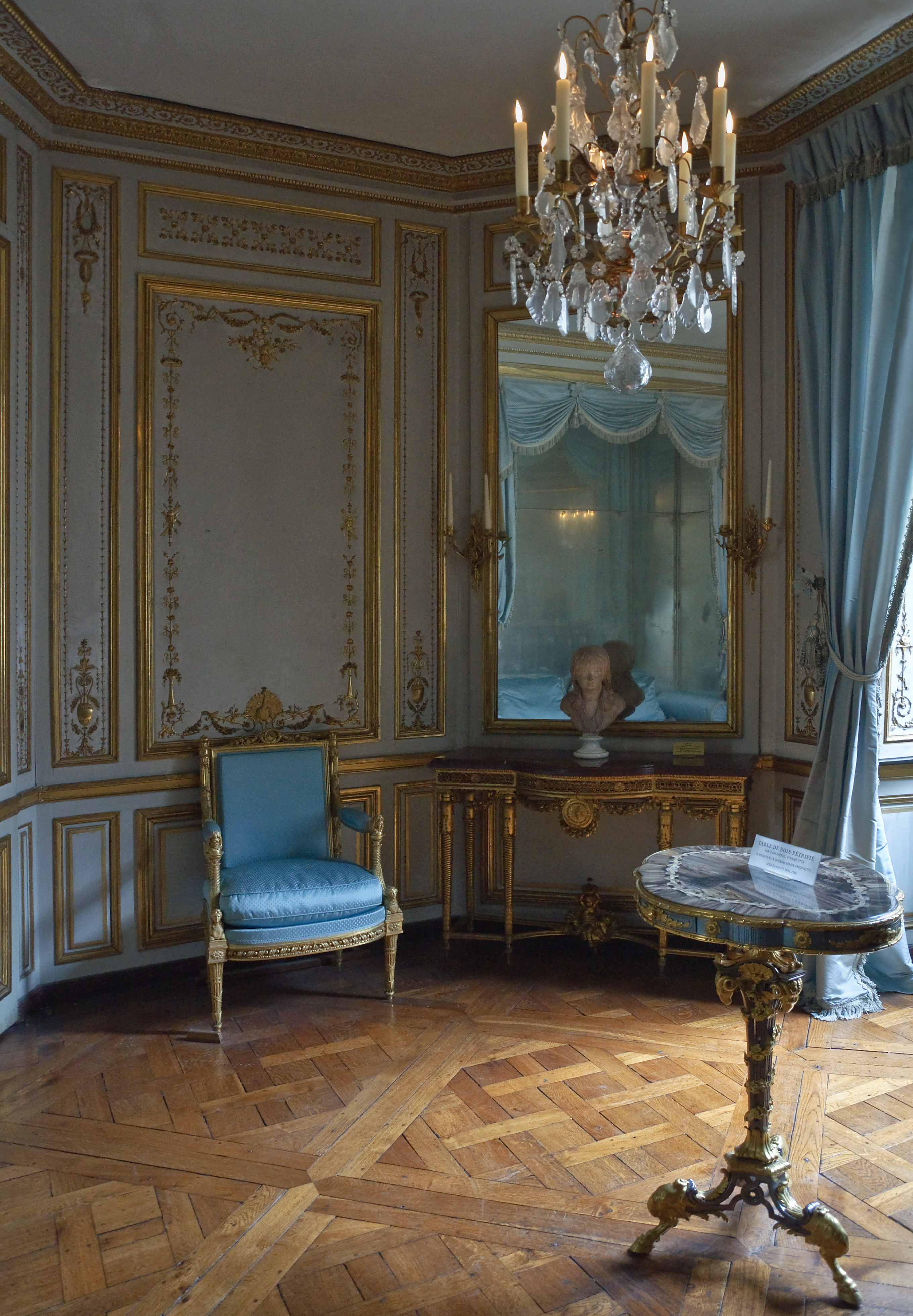 1000 images about this madame is versailles on for Salle de bain louis xv versailles